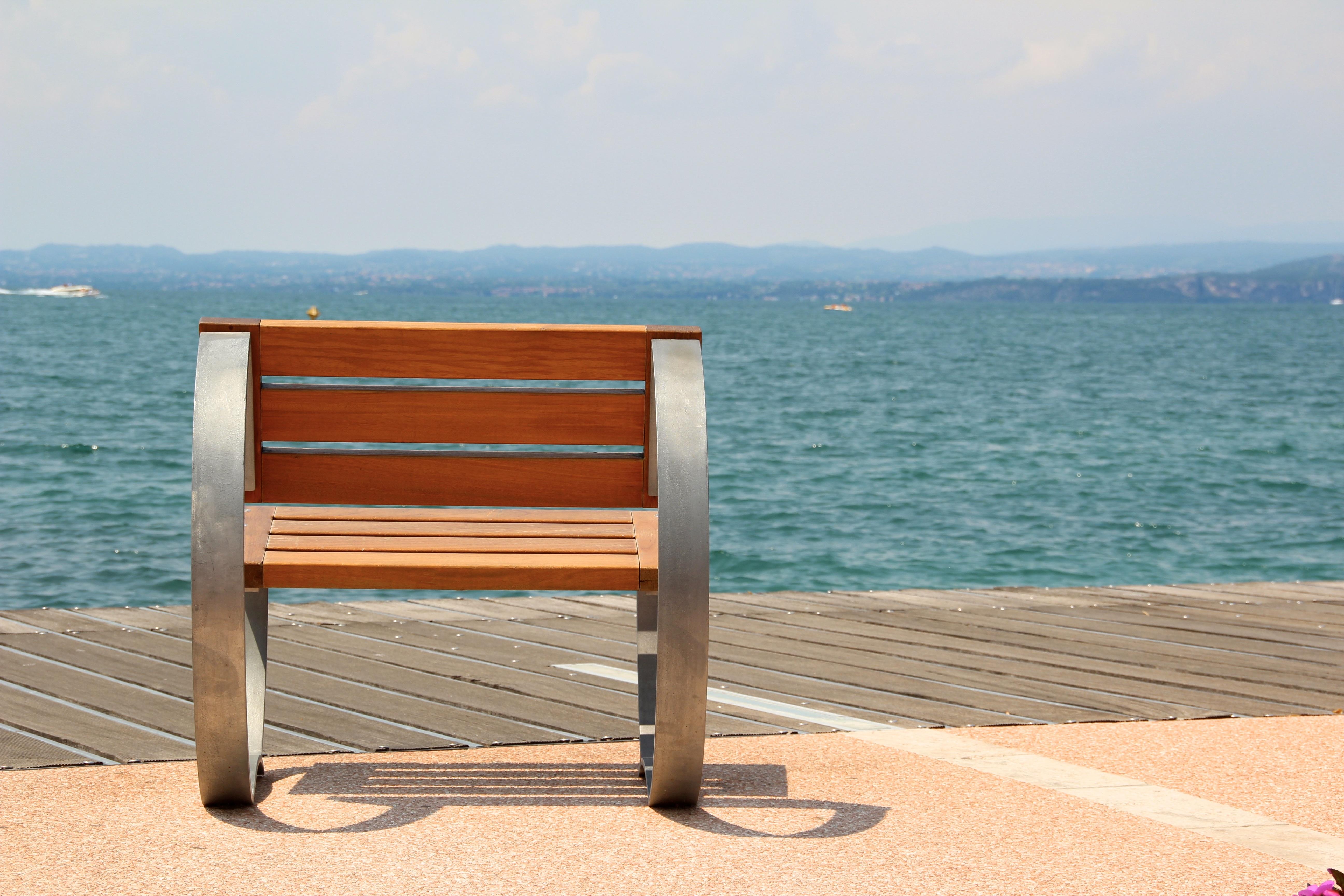 Schön Tabelle Wasser Holz Sessel Entspannen Sie Sich Italien Sich Ausruhen Möbel  Garda Bank Ausblick Gute Aussicht