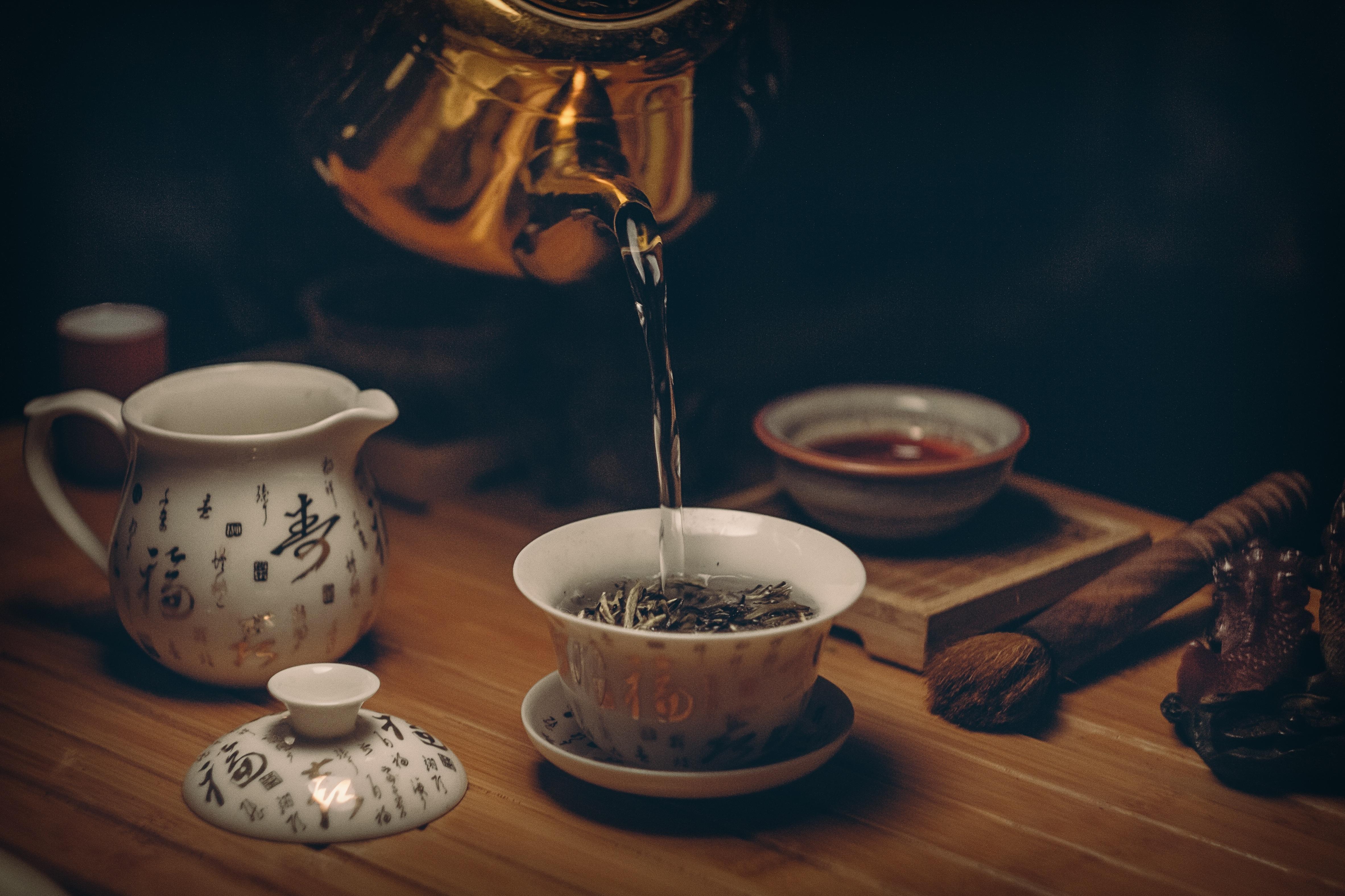 Gambar Meja Air Kayu Teko Makanan Lepek Keramik Minuman Minum Sarapan Penerangan Masih Hidup Barang Pecah Belah Alat Dapur Lukisan