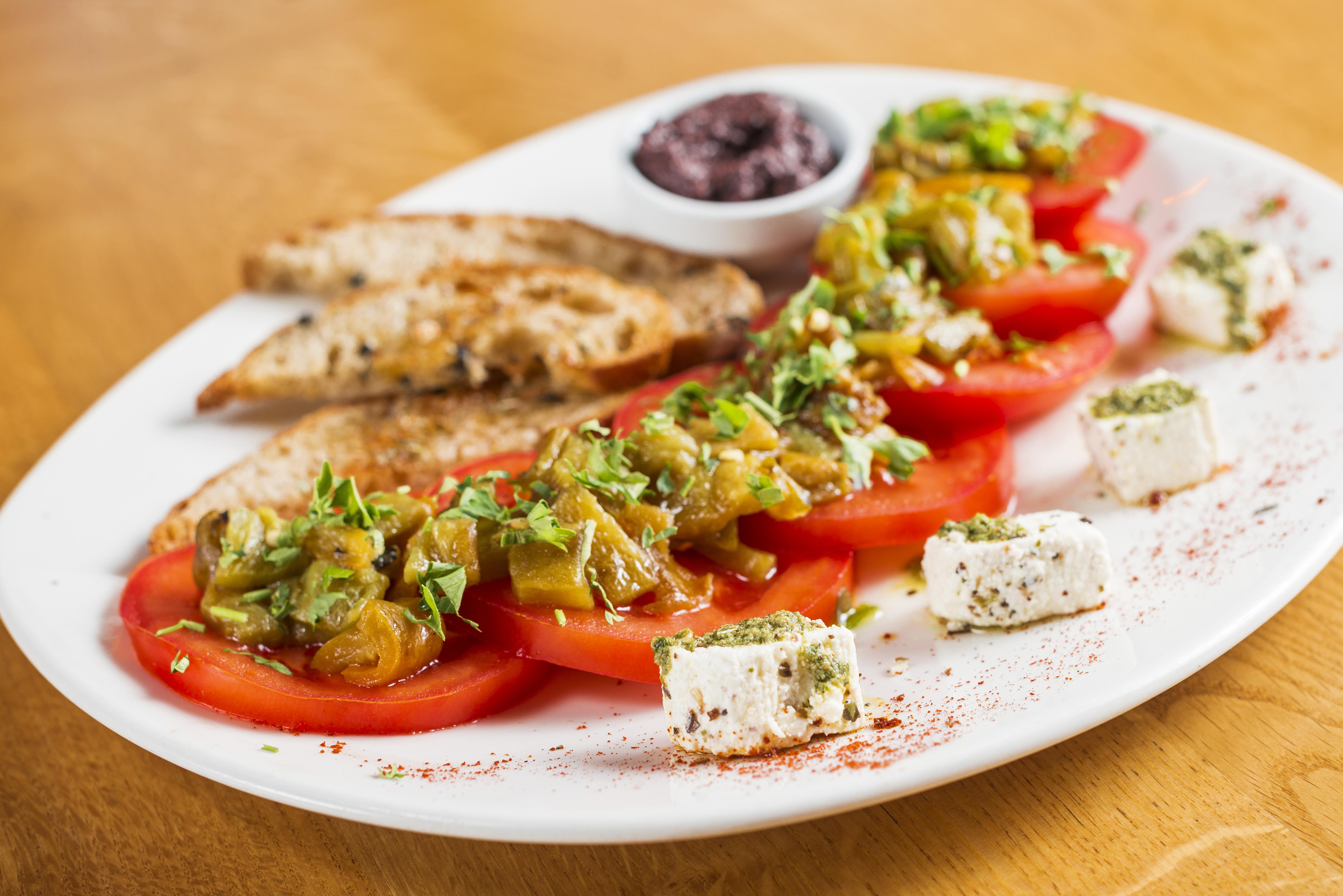 Fotos gratis mesa blanco restaurante plato cocina for Cocina 1 plato