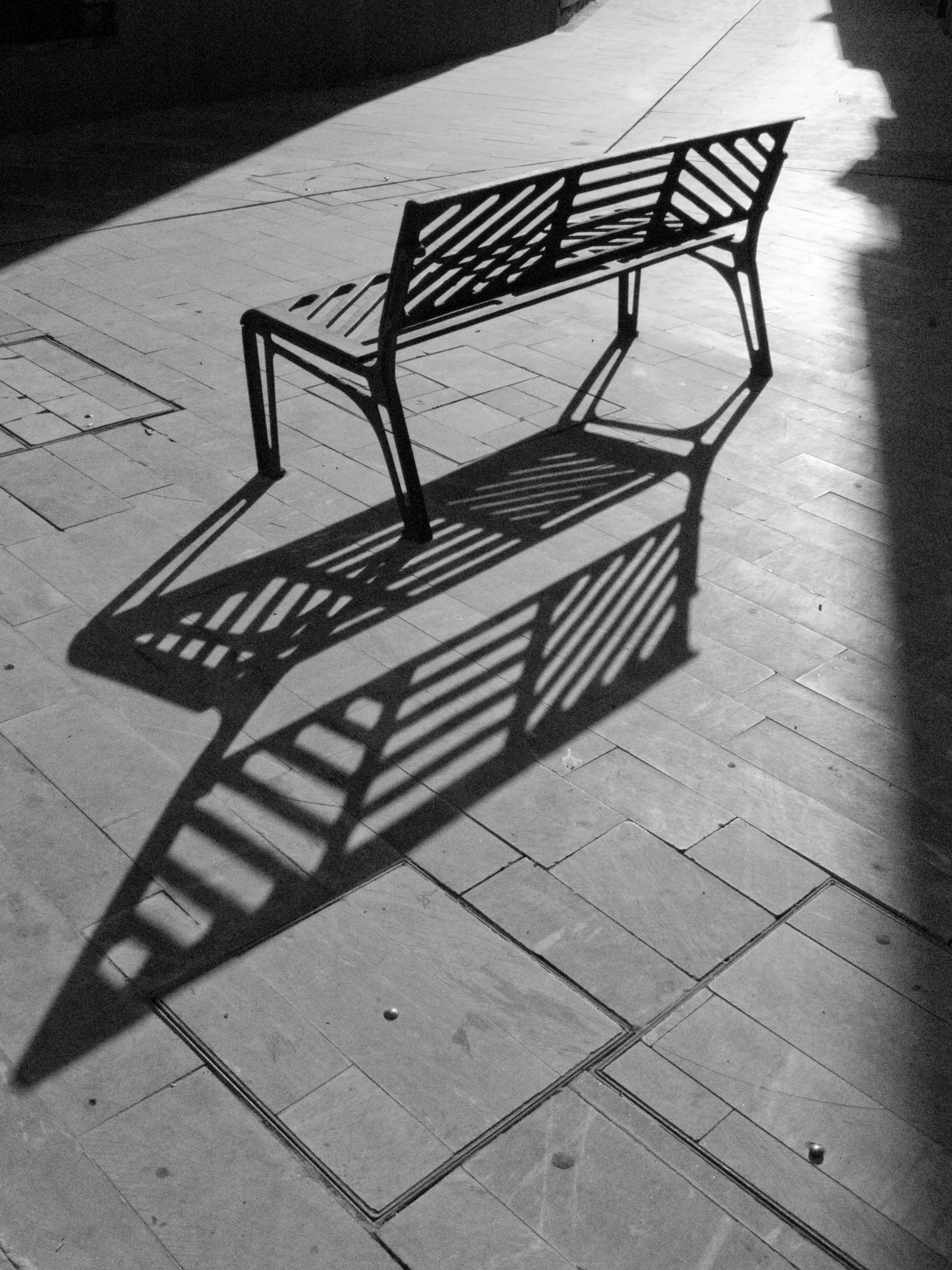 무료 이미지 : 표, 비행, 검정색과 흰색, 목재, 화이트, 의자, 바닥 ...
