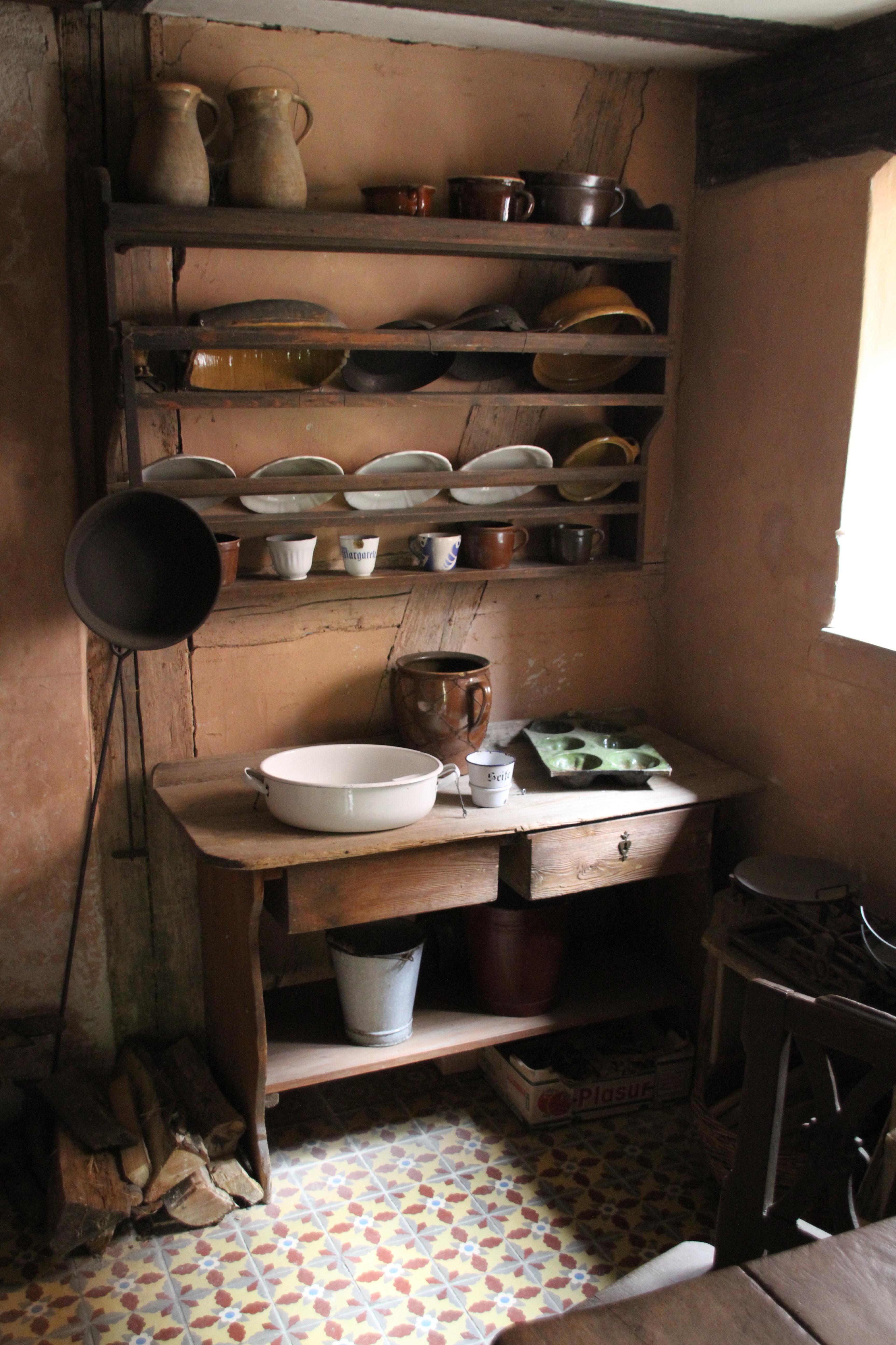 Kostenlose foto : Tabelle, Holz, Antiquität, Haus, alt, Zuhause ...