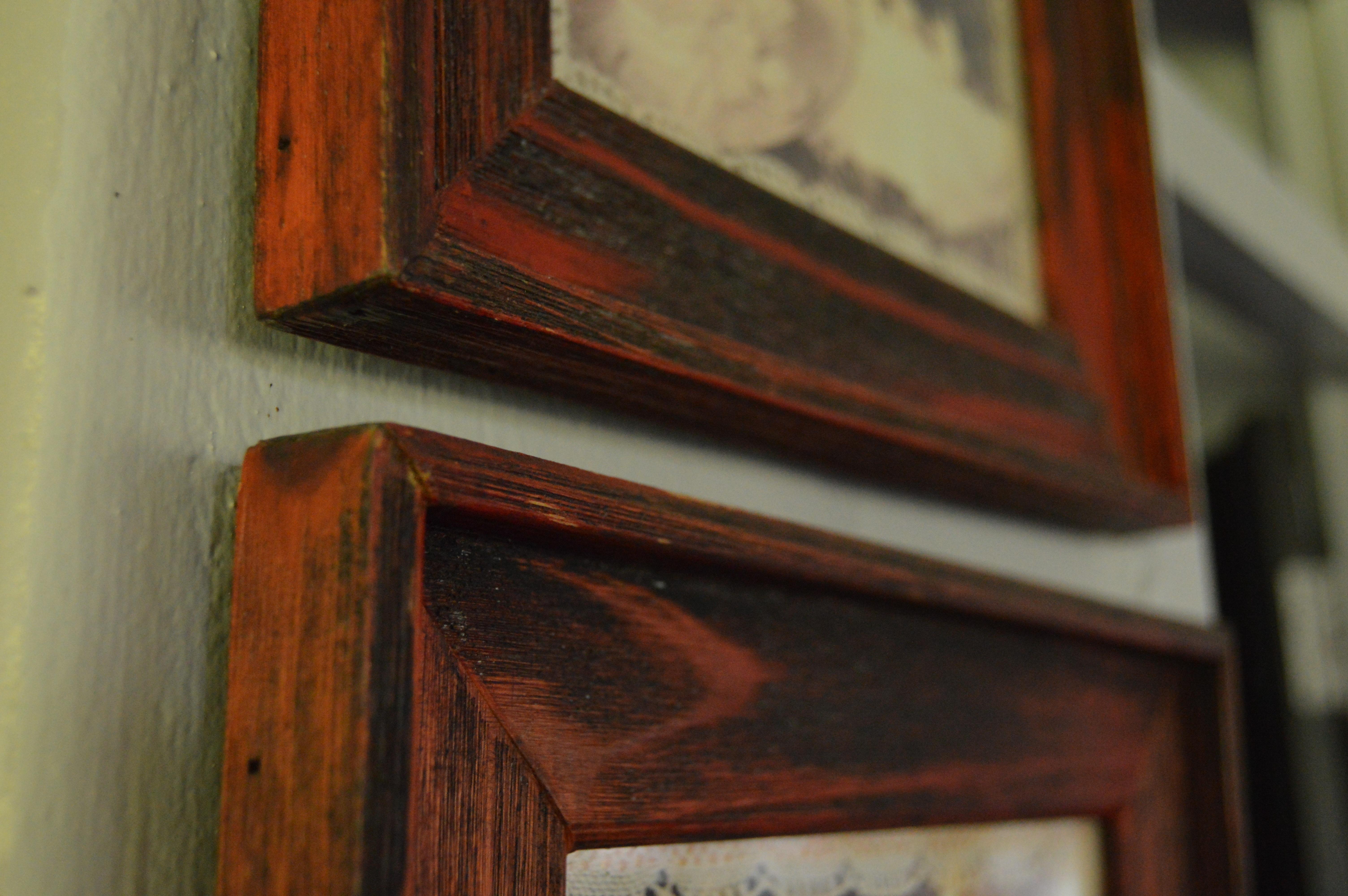 Fotoğraf Tablo Antik Ev Pencere Duvar Kırmızı Renk Raf