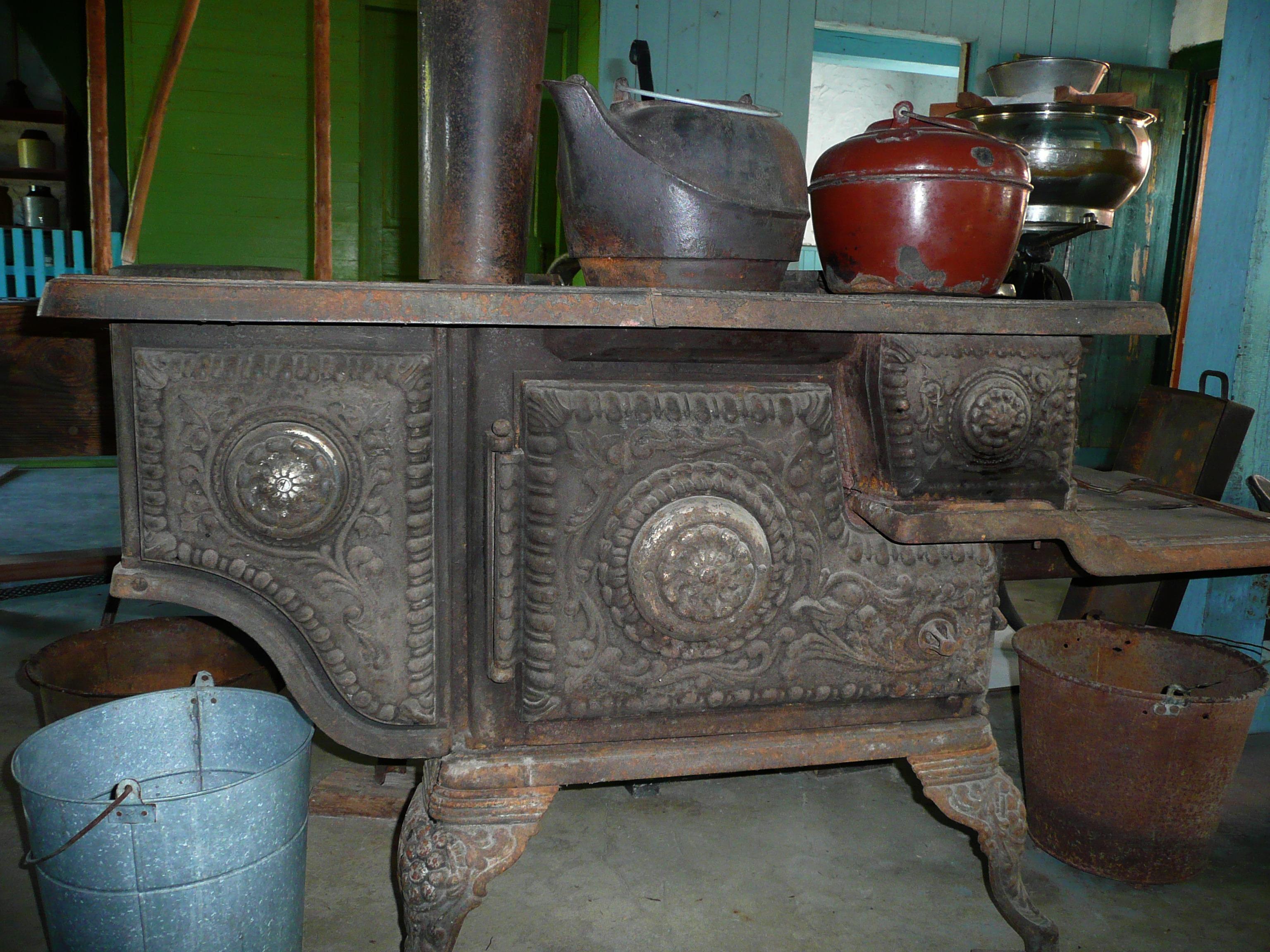 Fotos gratis : mesa, madera, antiguo, cocina, mueble, estufa, Canadá ...