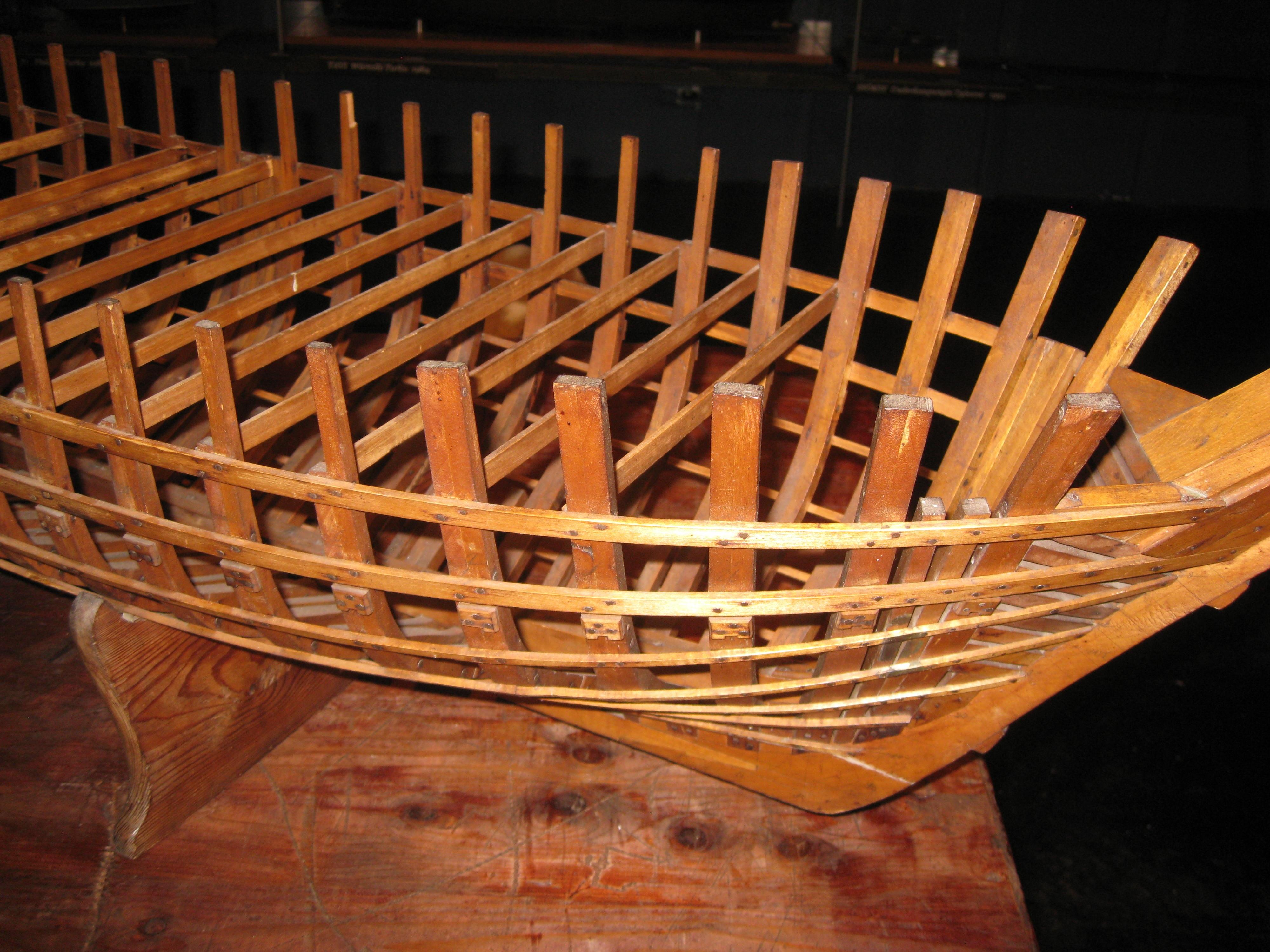 Fotos gratis : mesa, madera, barco, silla, enviar, marco, mueble ...