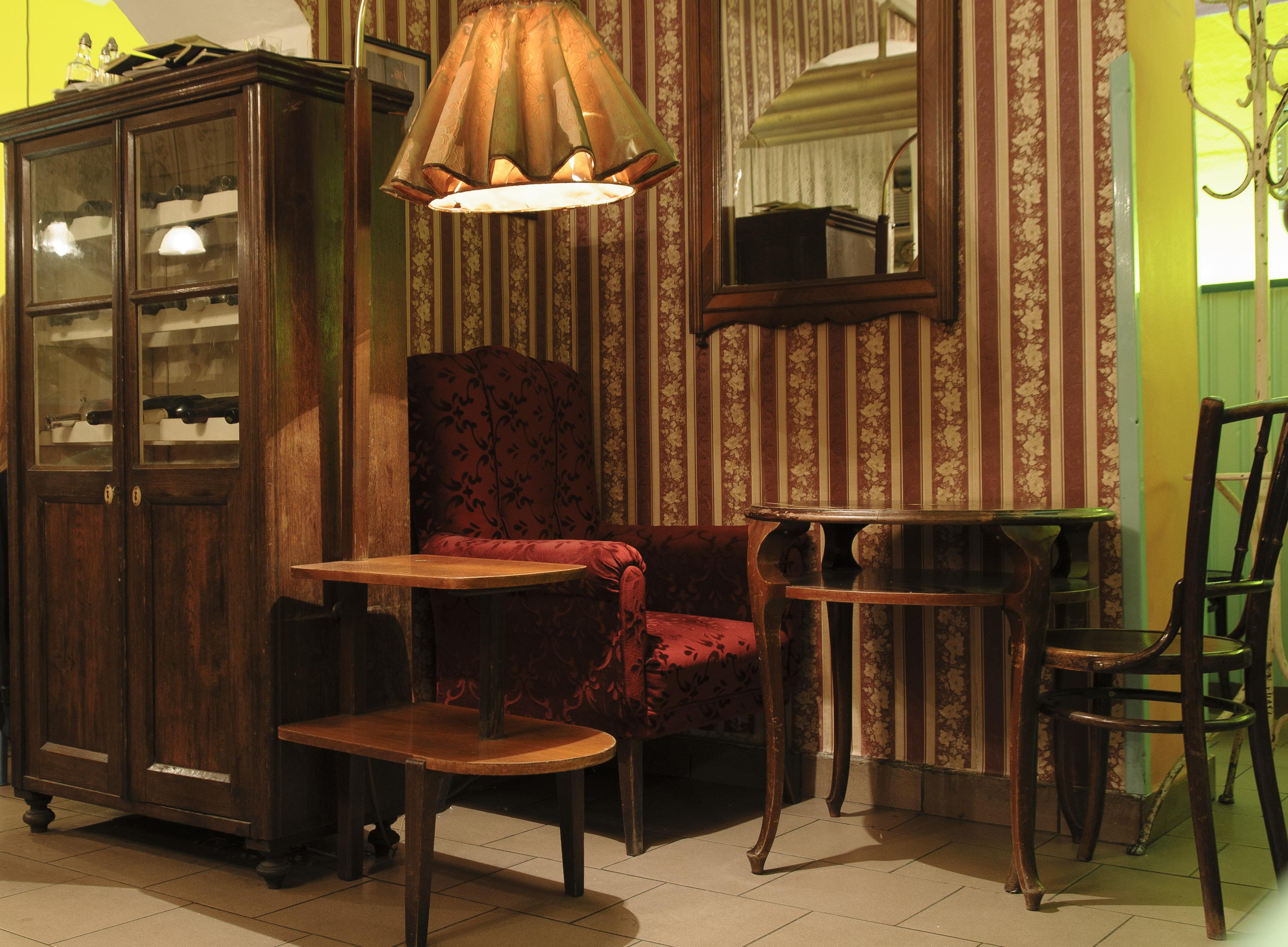 Gratis Afbeeldingen : tafel, hout, stoel, restaurant, huis-, nikon ...