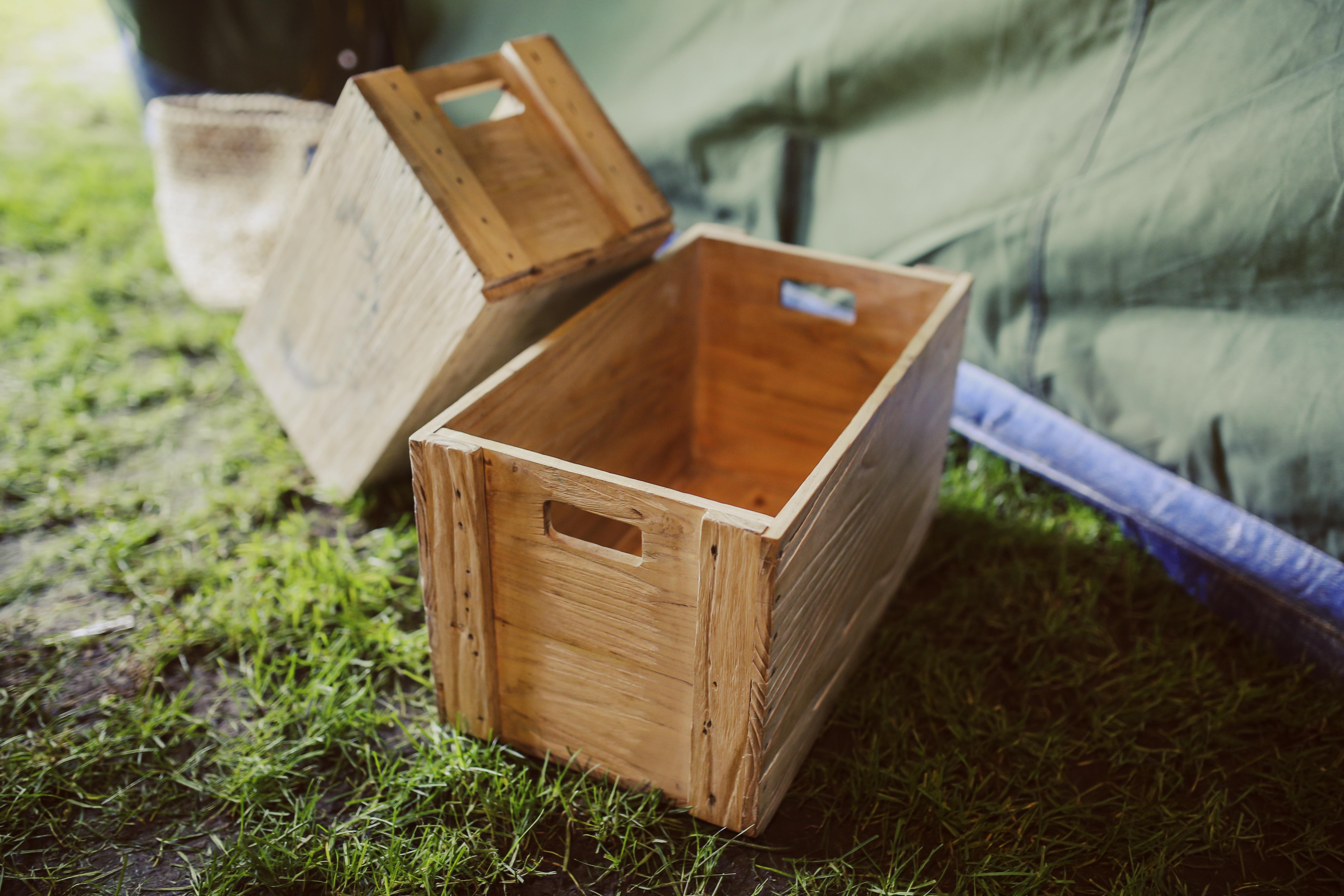 Fotos gratis : mesa, decoración, caja, mueble, agricultura, producto ...