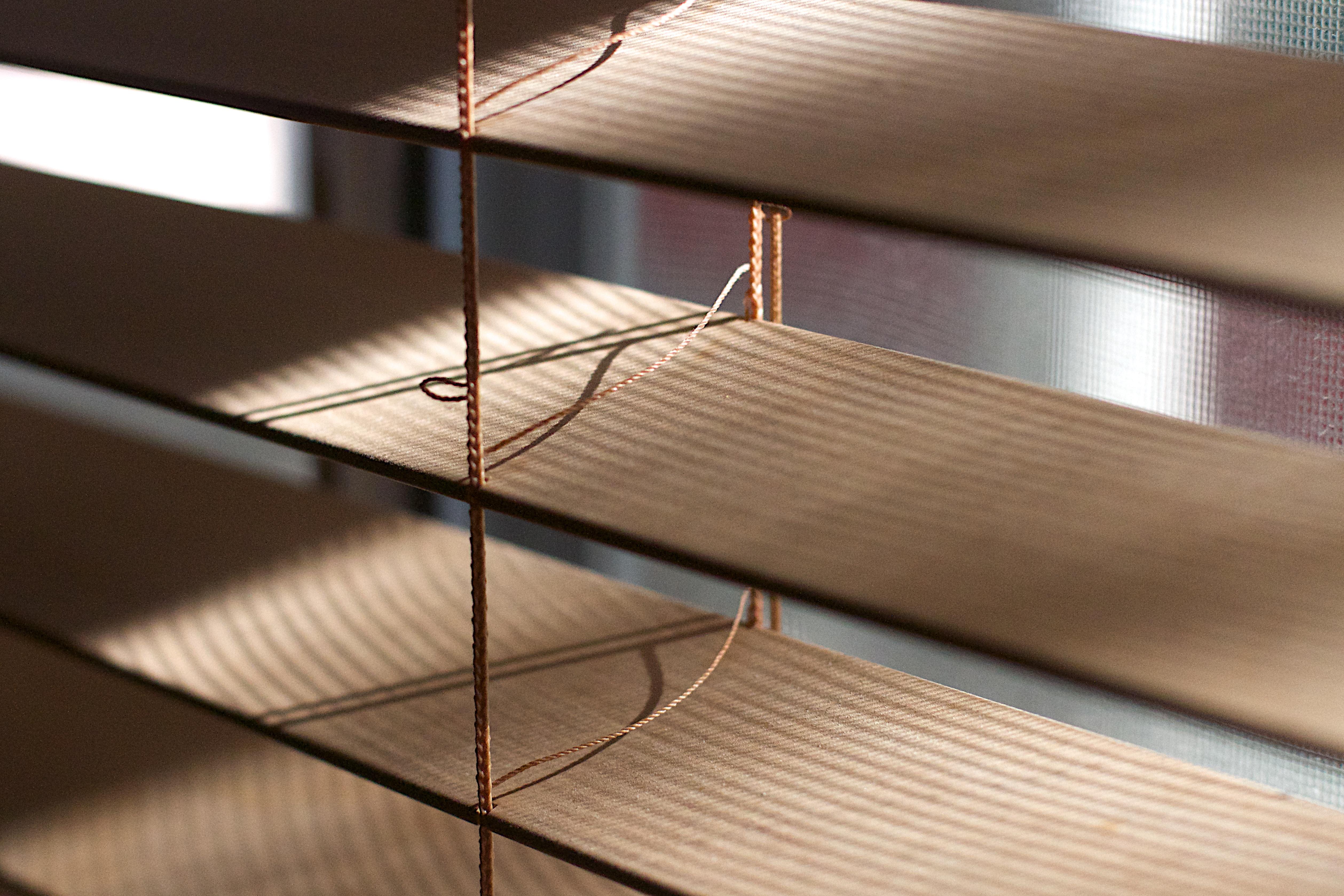 mesa madera piso techo mueble iluminacin diseo de interiores pretil diseo escalera persiana de la ventana
