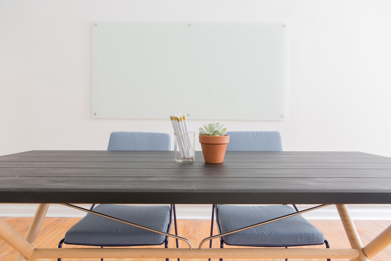 Fotos gratis : madera, piso, mueble, sofá, mesa de café, diseño de ...