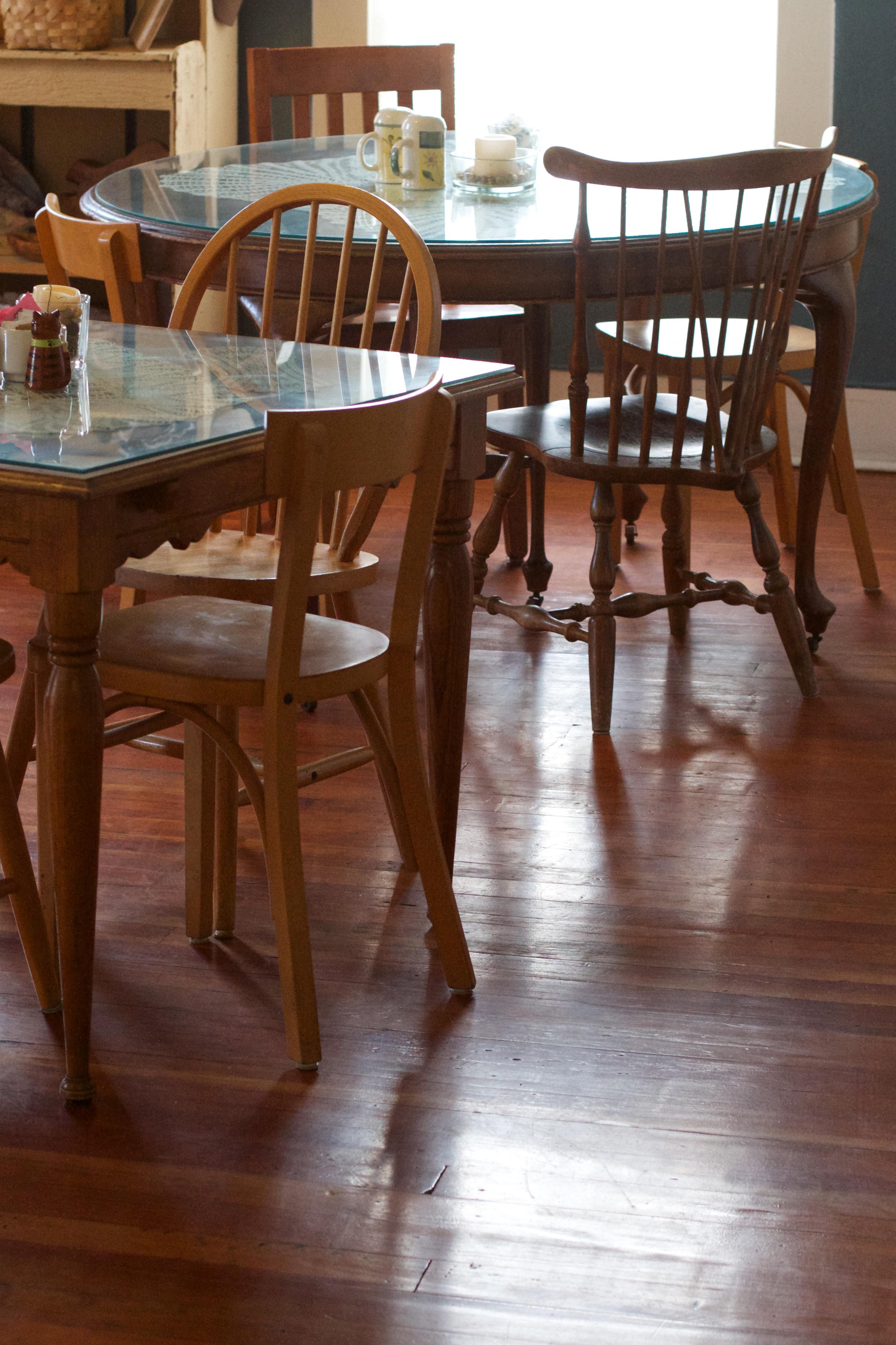 Images Gratuites : table, bois, meubles, chambre, Bois dur ...
