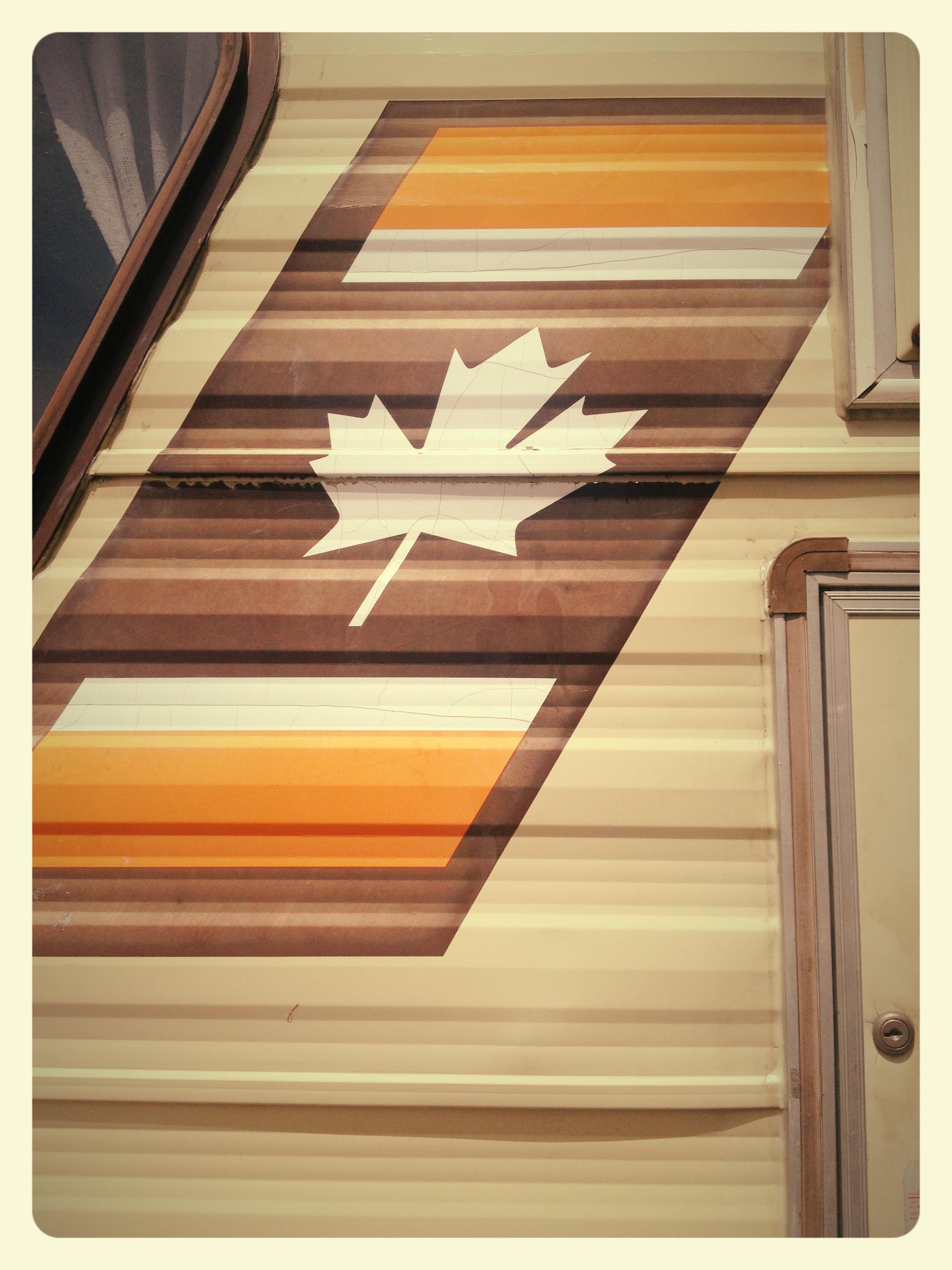 Fotos gratis mesa piso techo estante mueble puerta for Diseno de muebles de madera gratis