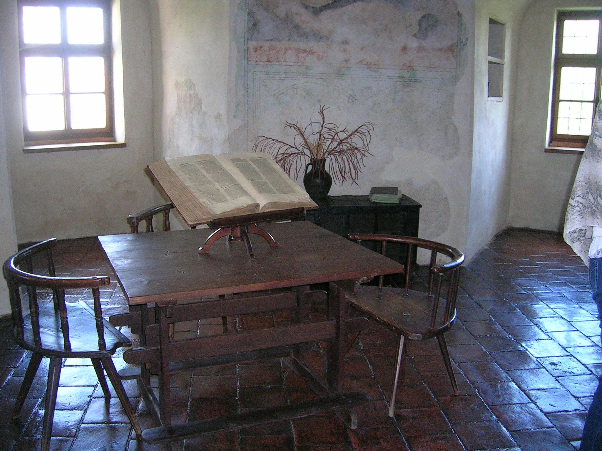 kostenlose foto : tabelle, holz, haus, stock, gebäude, zuhause, Esszimmer dekoo