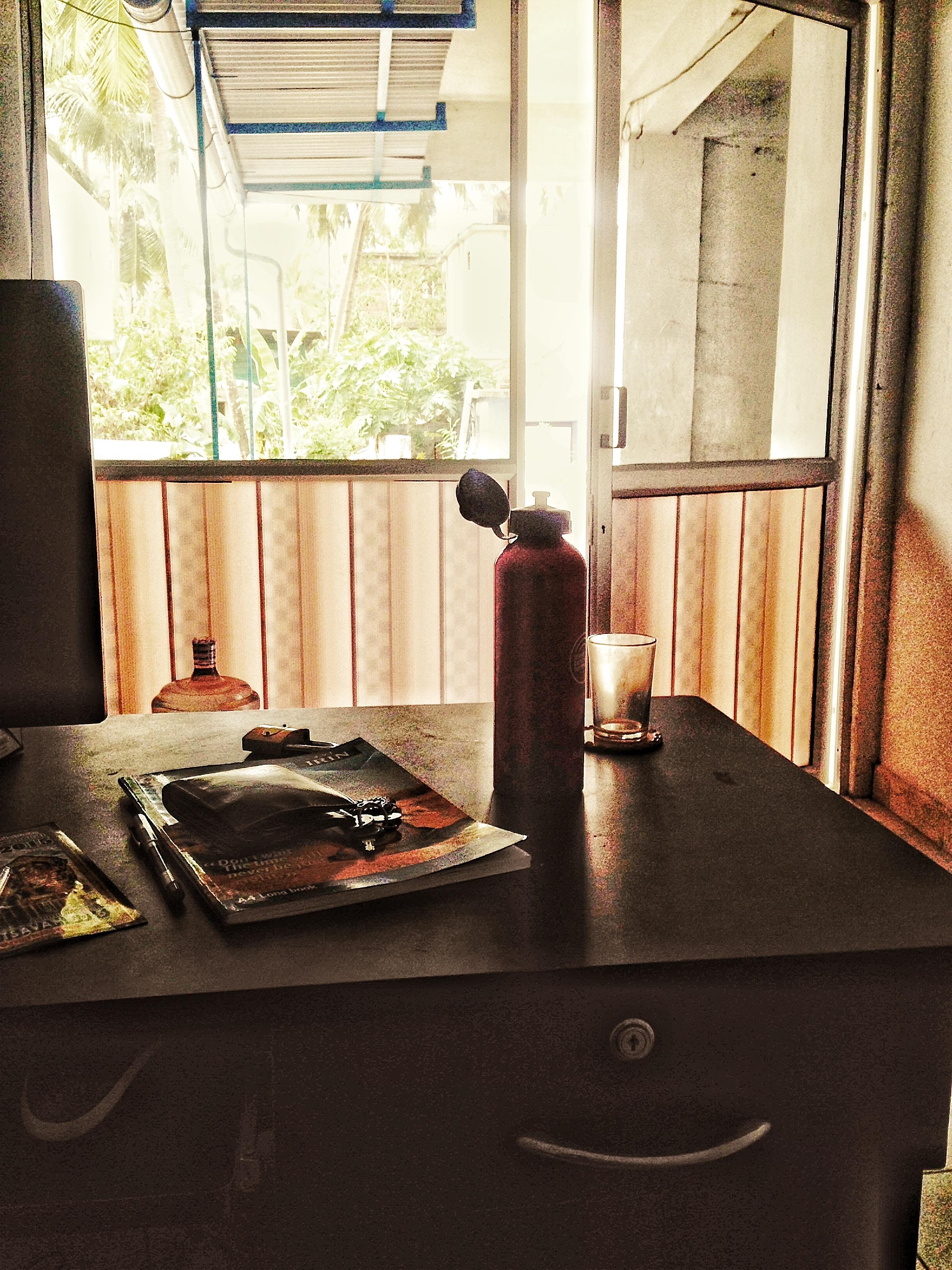 Gambar Meja Kayu Rumah Lantai Ruang Keluarga Mebel Kamar