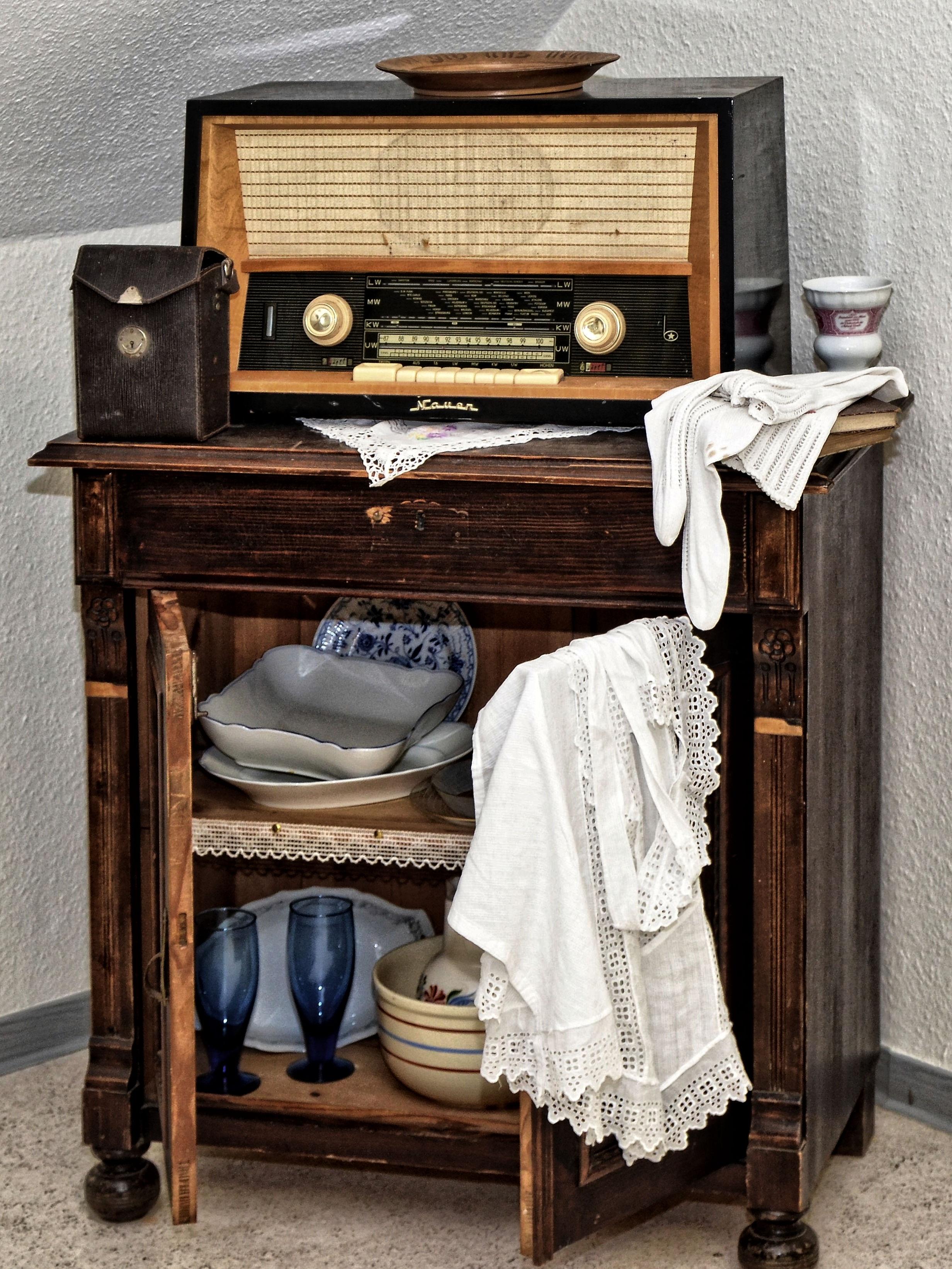 Fotos gratis : mesa, madera, antiguo, nostalgia, mueble, habitación ...