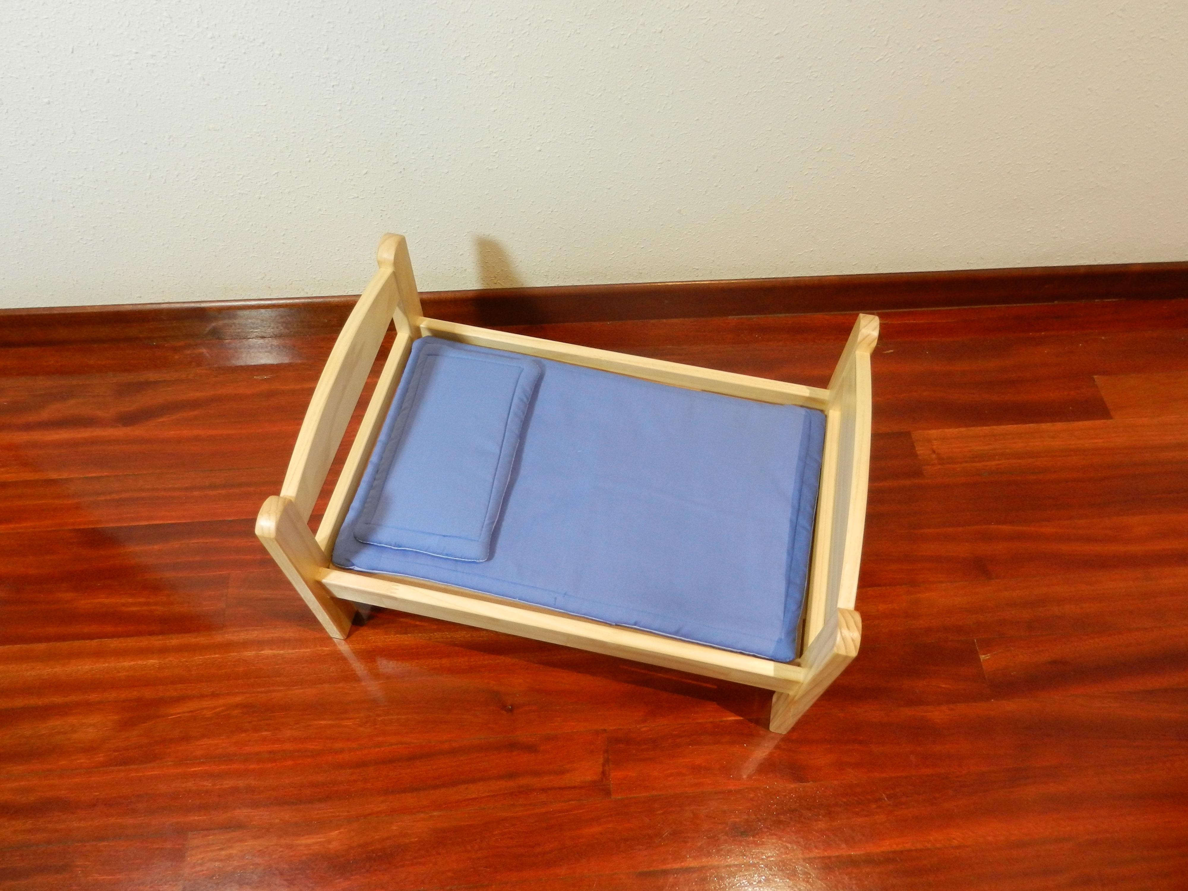 Fotos gratis : mesa, tecnología, piso, mueble, juguete, colchón ...
