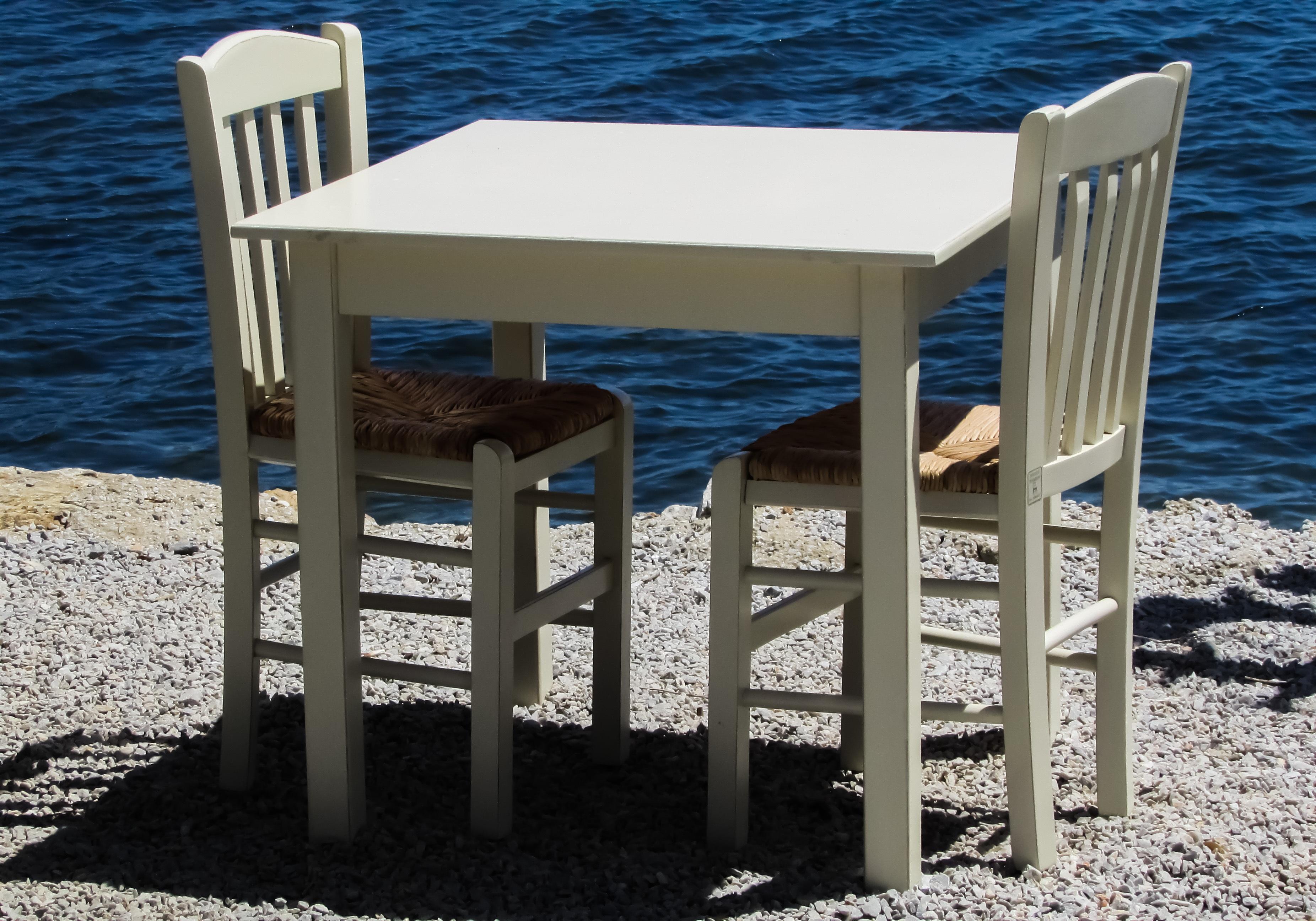 Fotos gratis mesa madera blanco banco restaurante griego azul mueble sillas grecia - Banco de madera blanco ...