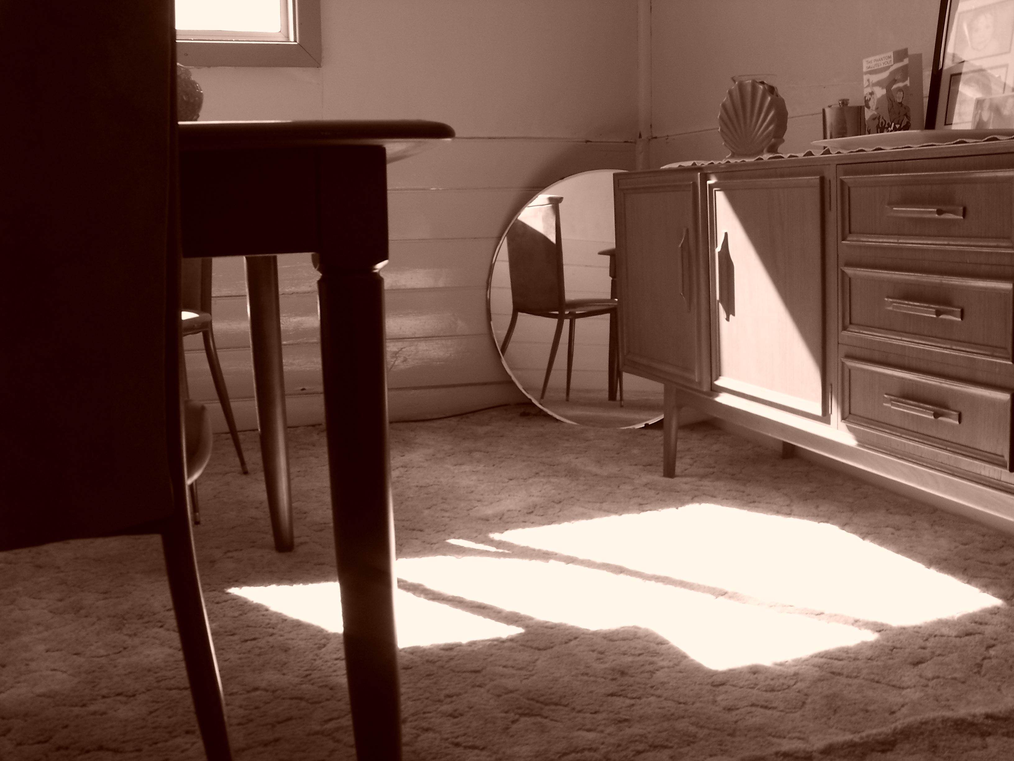Fotos gratis mesa blanco silla piso casa mueble for Diseno de muebles de madera gratis