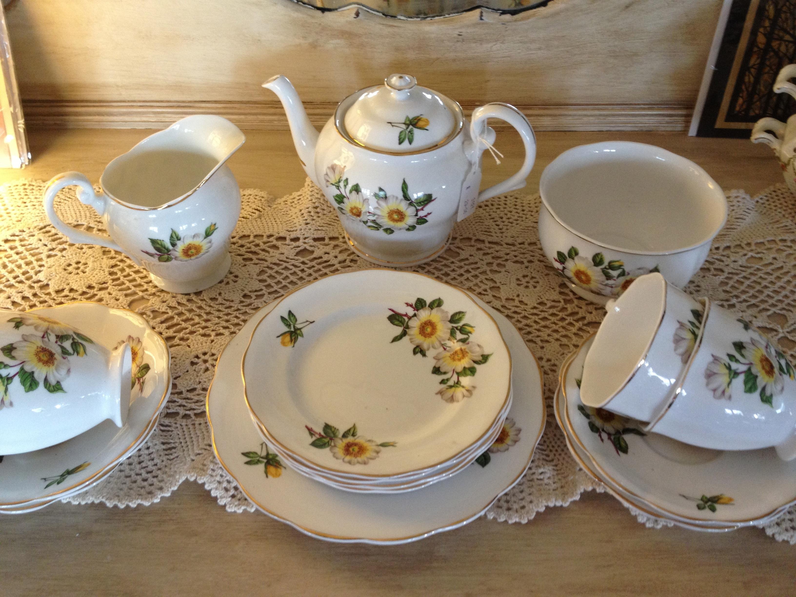 Gratis billeder : te, tepotte, kop, måltid, underkop, keramisk, drik
