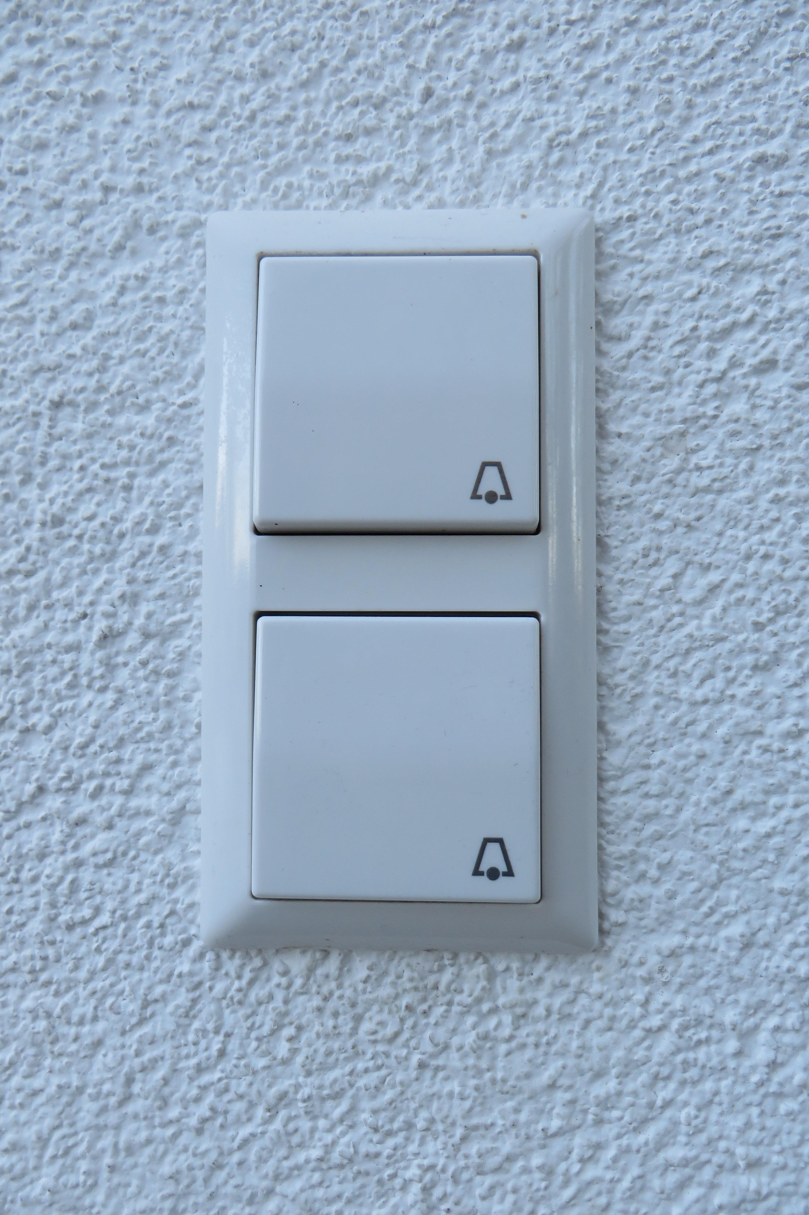 Fotos gratis tecnolog a edificio casa rect ngulo entrada timbre de la puerta tocar la - Timbre de casa ...
