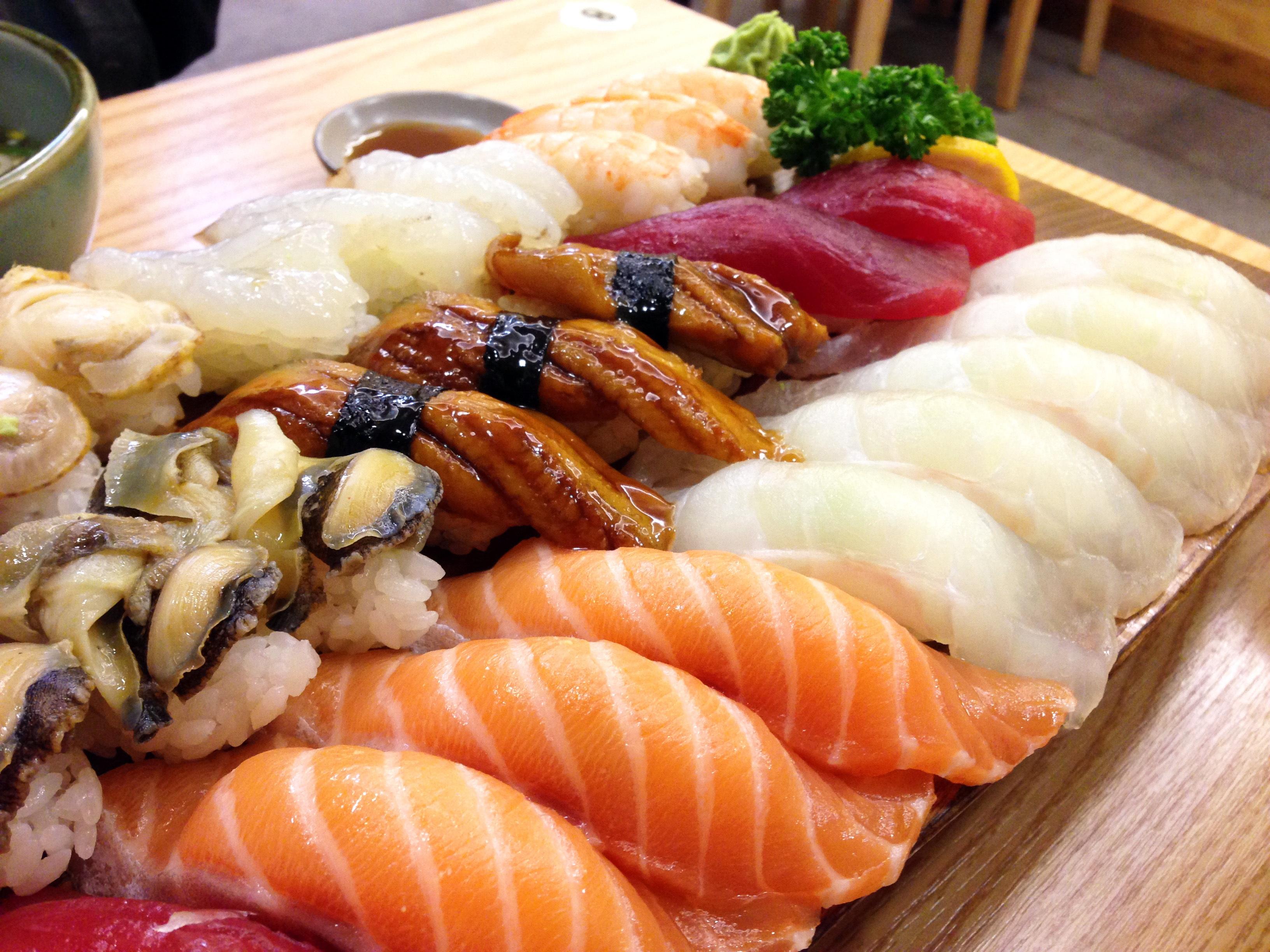 Gratis afbeeldingen tijd schotel zeevruchten vis heerlijk clam aziatisch eten sushi - Snack eten ...