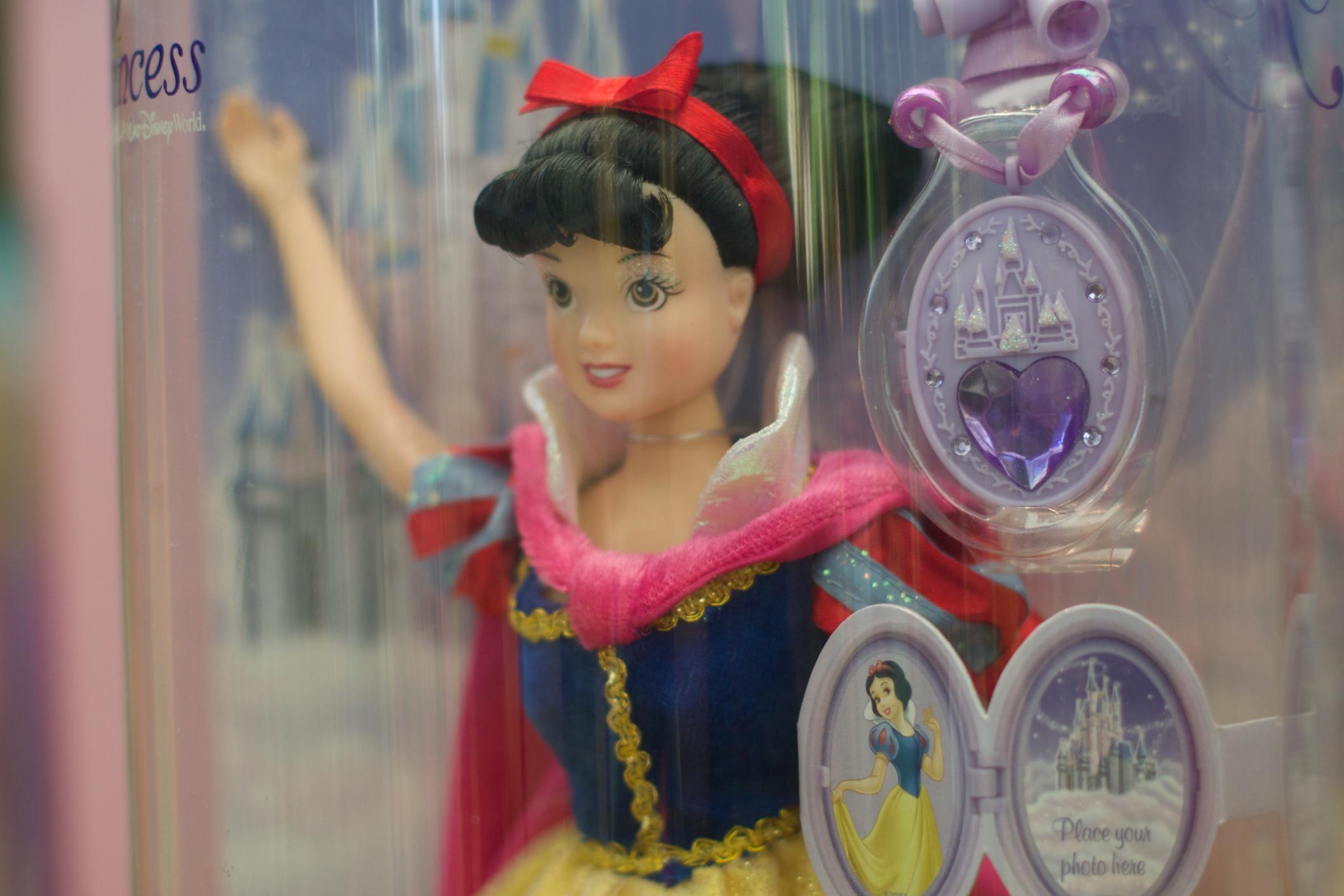 Gambar Mainan Disney Boneka Barbie 2115x1410 439989 Barby