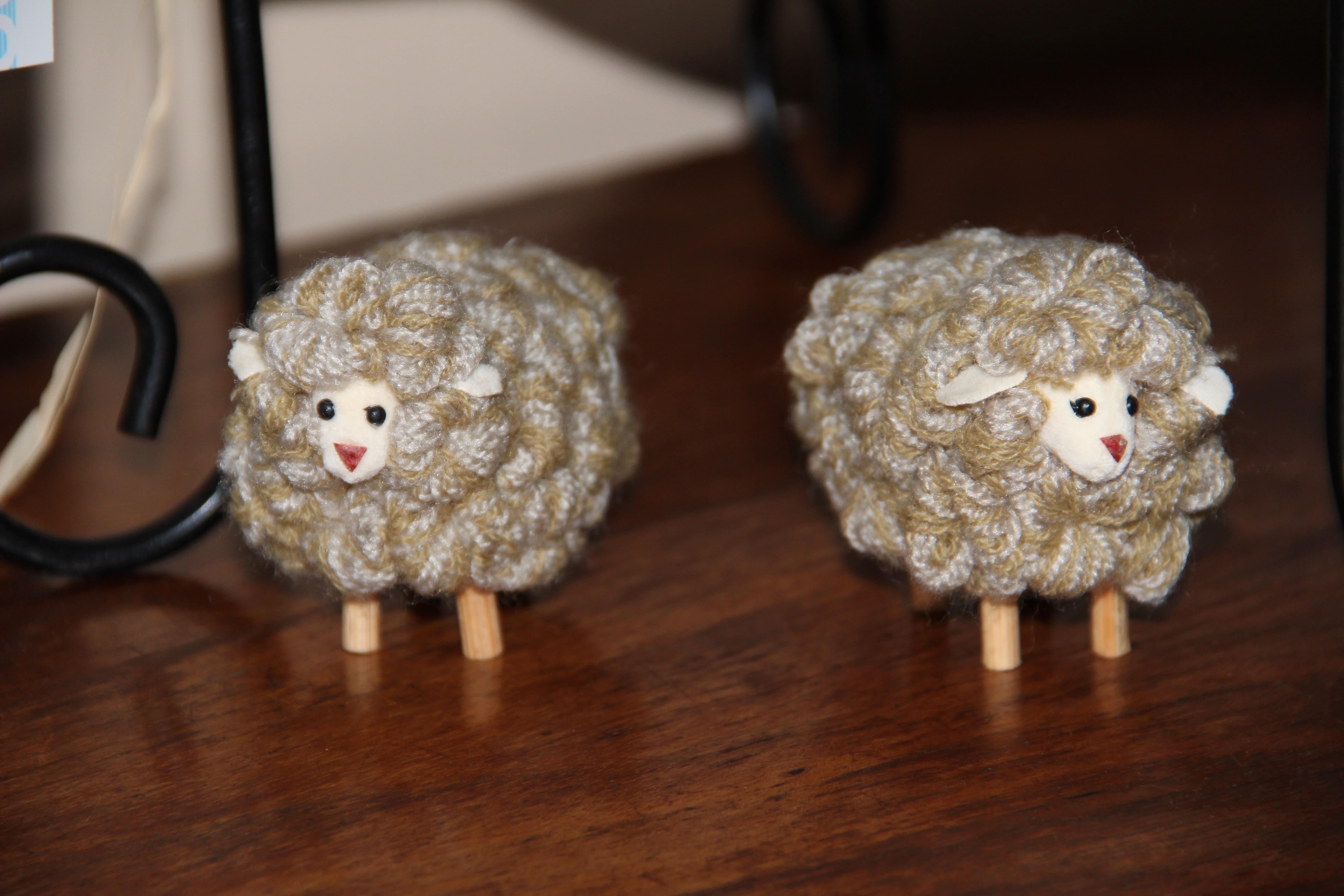 Fotos gratis : juguete, búho, lana, tejer, gabinete, art, erizo ...