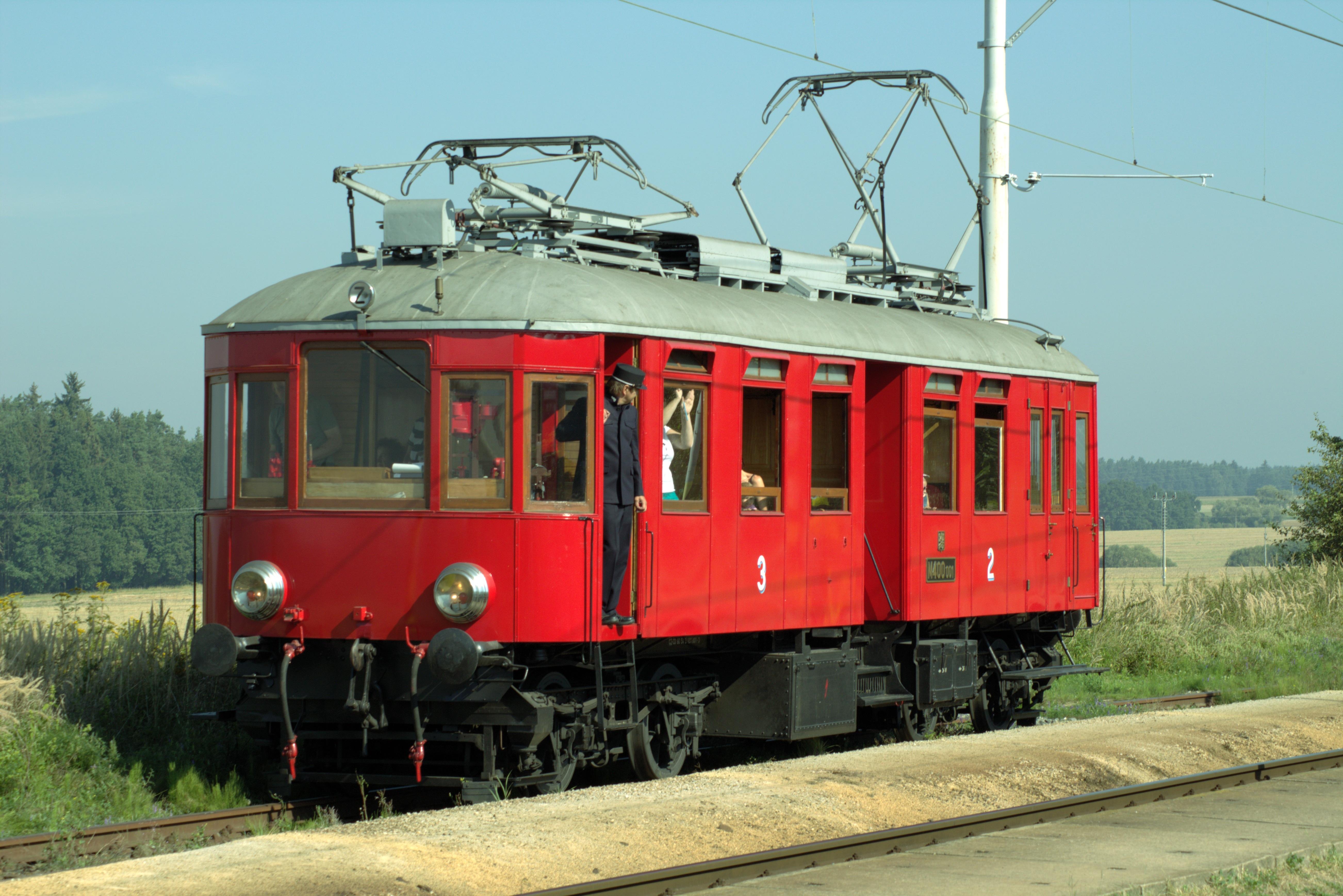 images gratuites piste chemin de fer vieux train tram rouge v hicule nostalgie. Black Bedroom Furniture Sets. Home Design Ideas