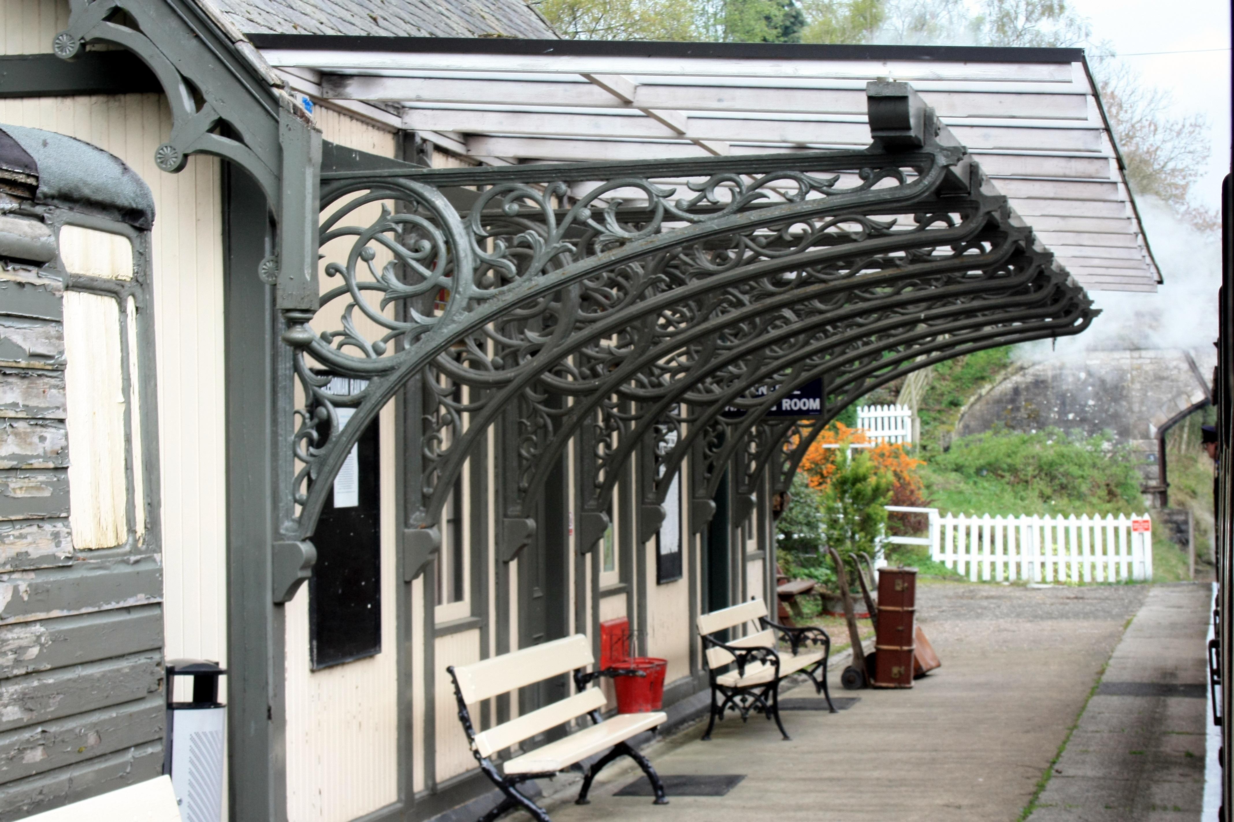pista ferrocarril ferrocarril vendimia asientos antiguo carril viajar conmutar transporte arco esperando pabellon estacion plataforma propiedad
