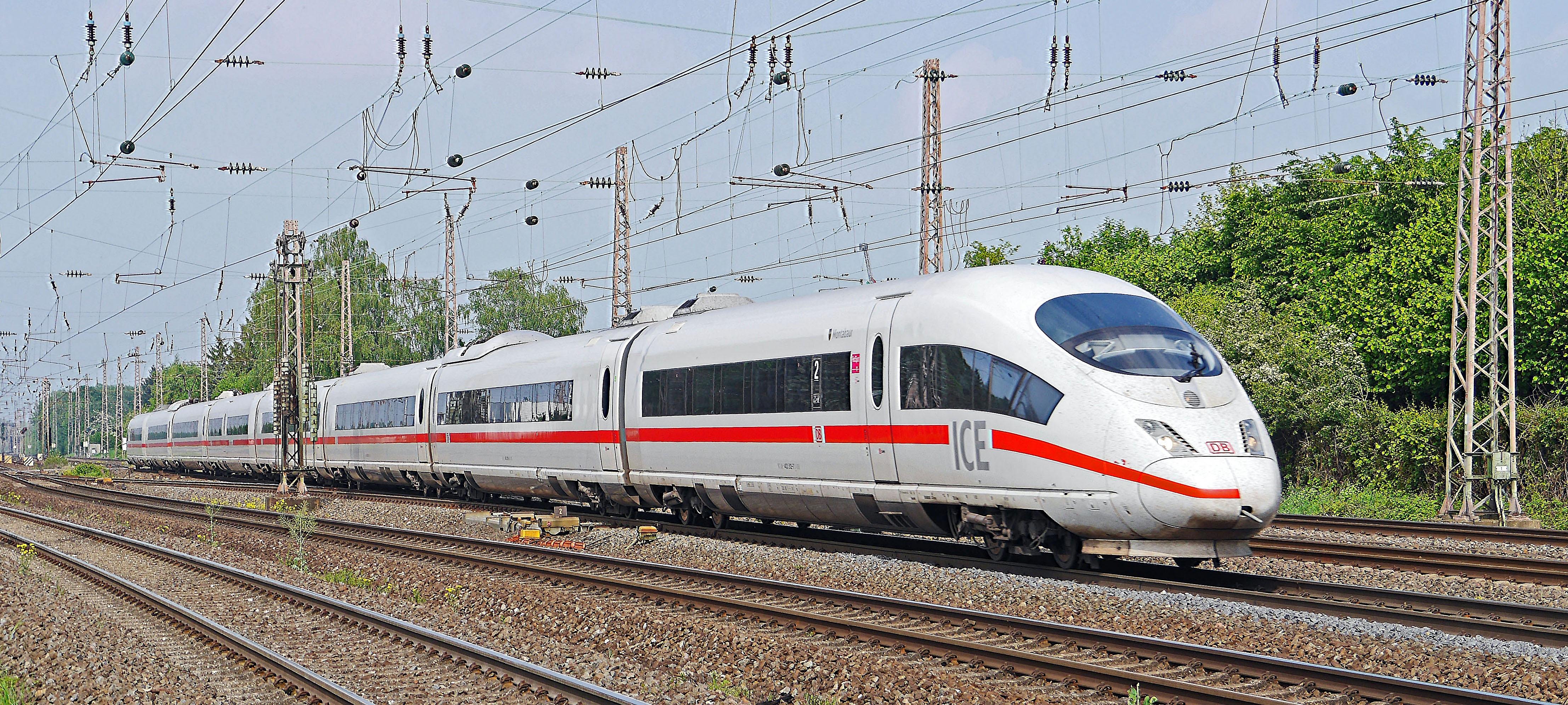 0fa9515041 Ingyenes képek : nyomon követni, vonat, tranzit, szállítás, jég, sebesség,  tömegközlekedés, Expressz, mozdony, árbocok, dortmund, db, DBAG, ...