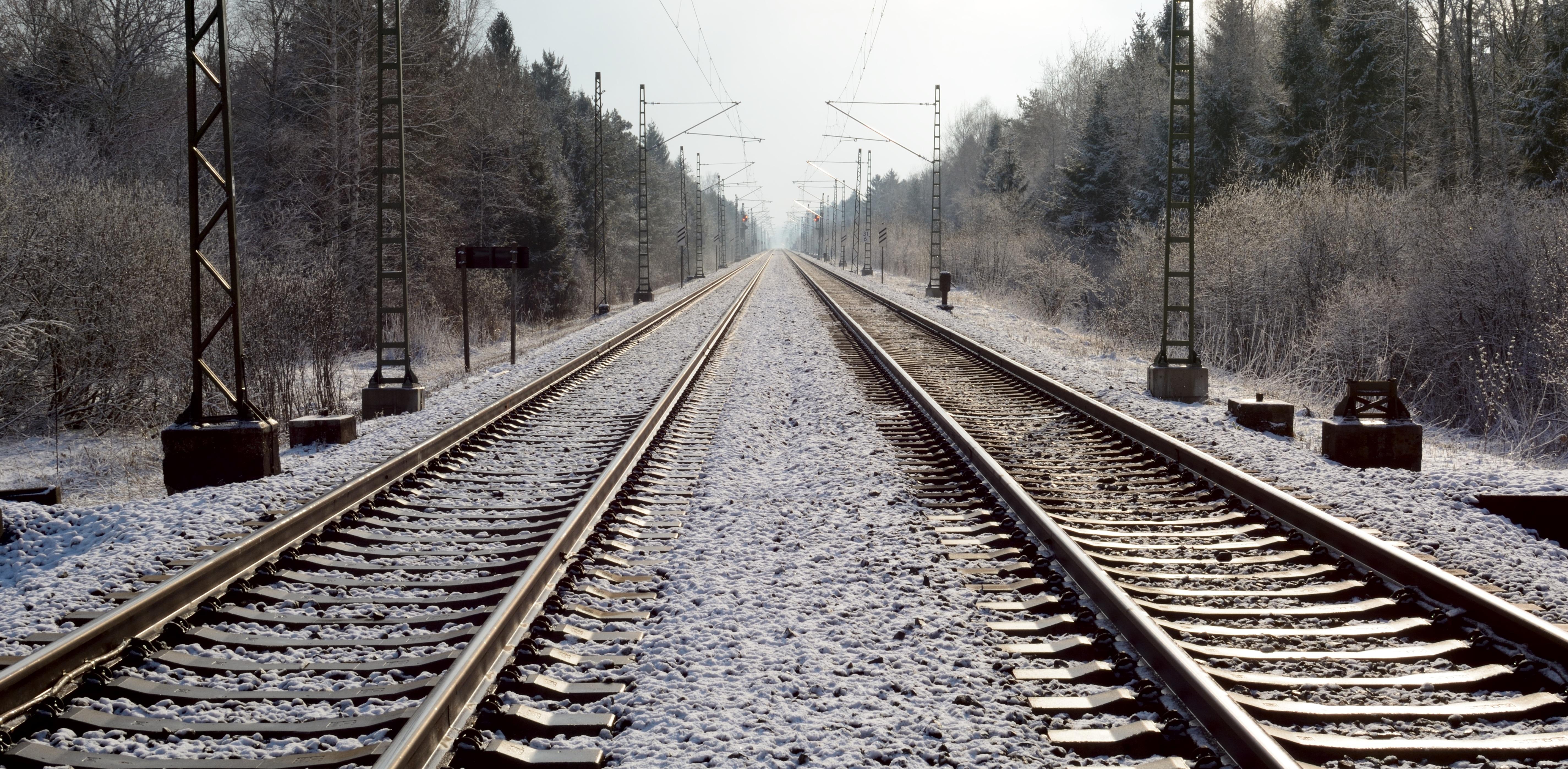картинка железнодорожная ветка масла чувства