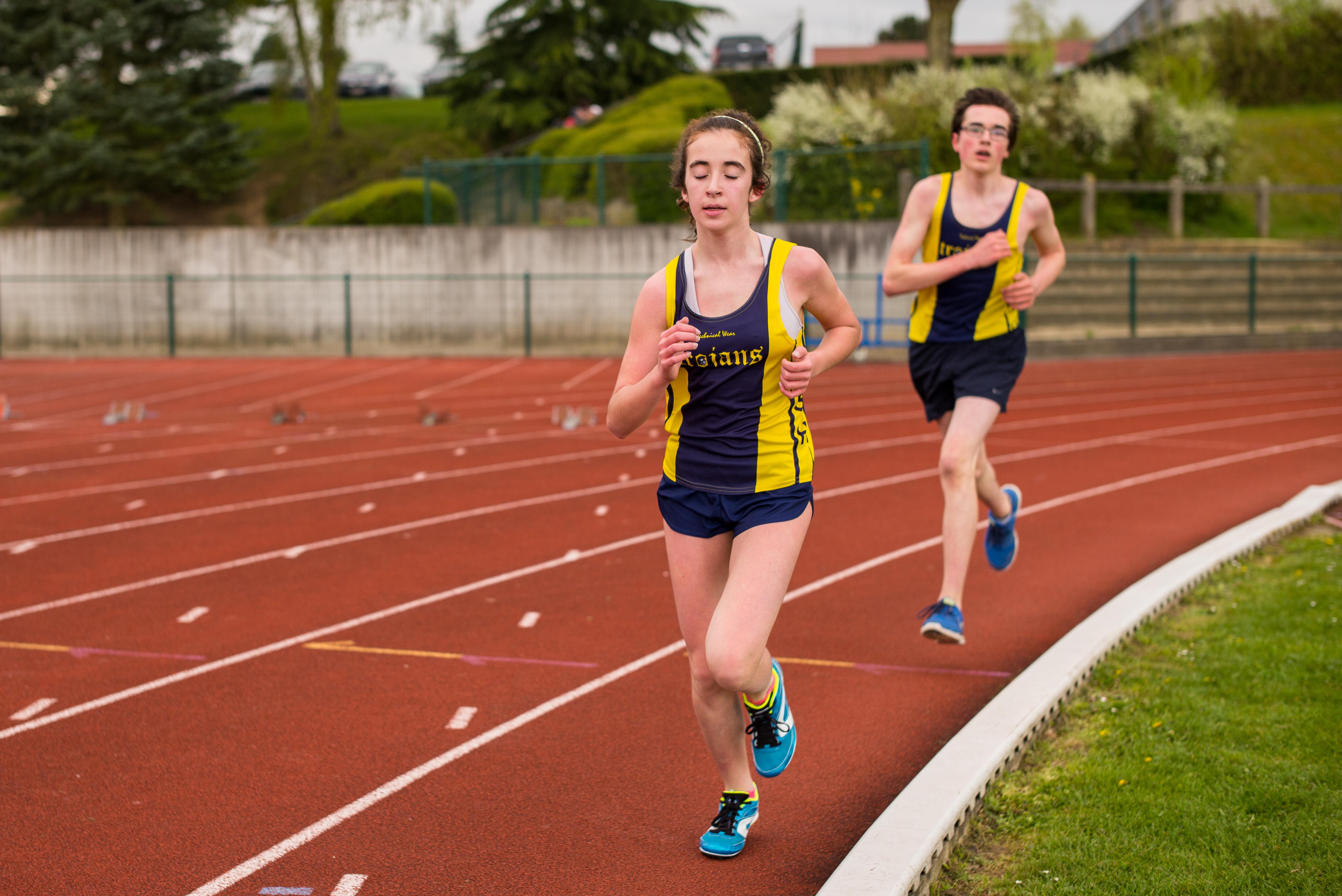 Картинка девушка легкая атлетика