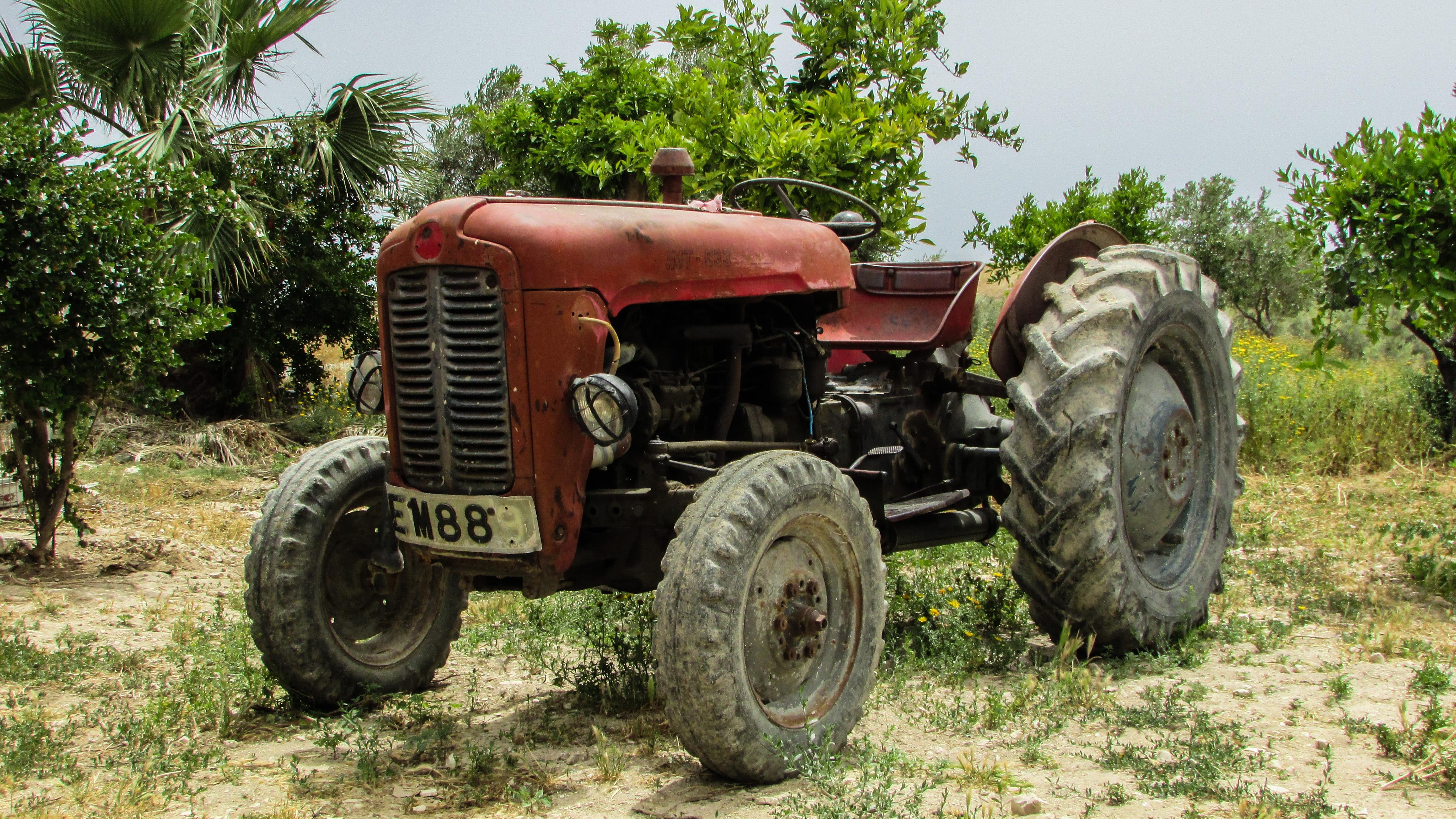 Картинки про старые трактора