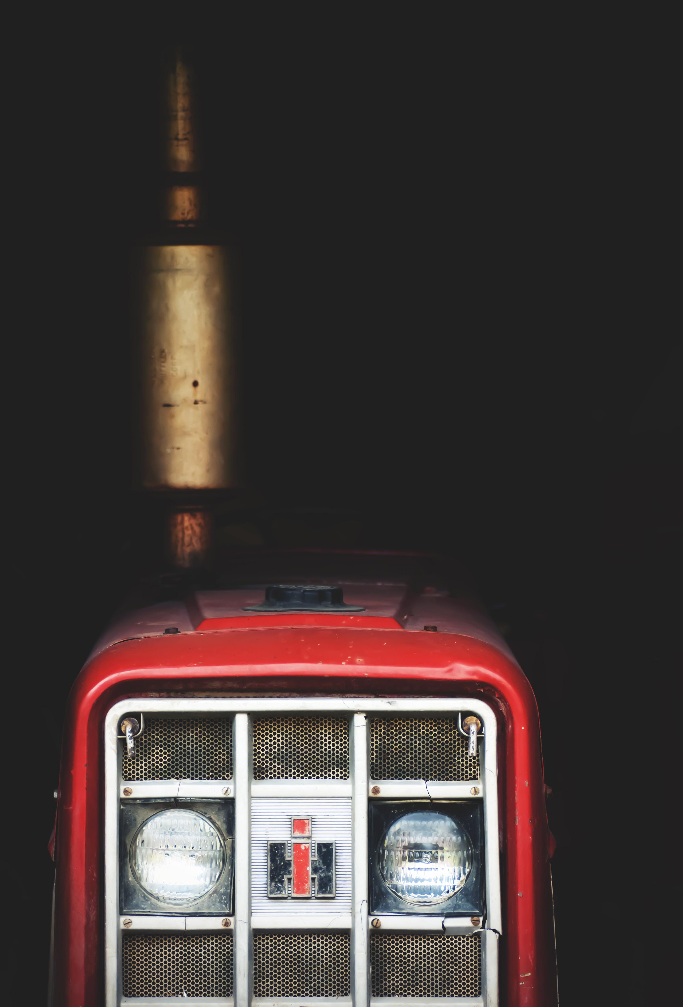 Gratis afbeeldingen tractor rood voertuig machine for Tractor verlichting