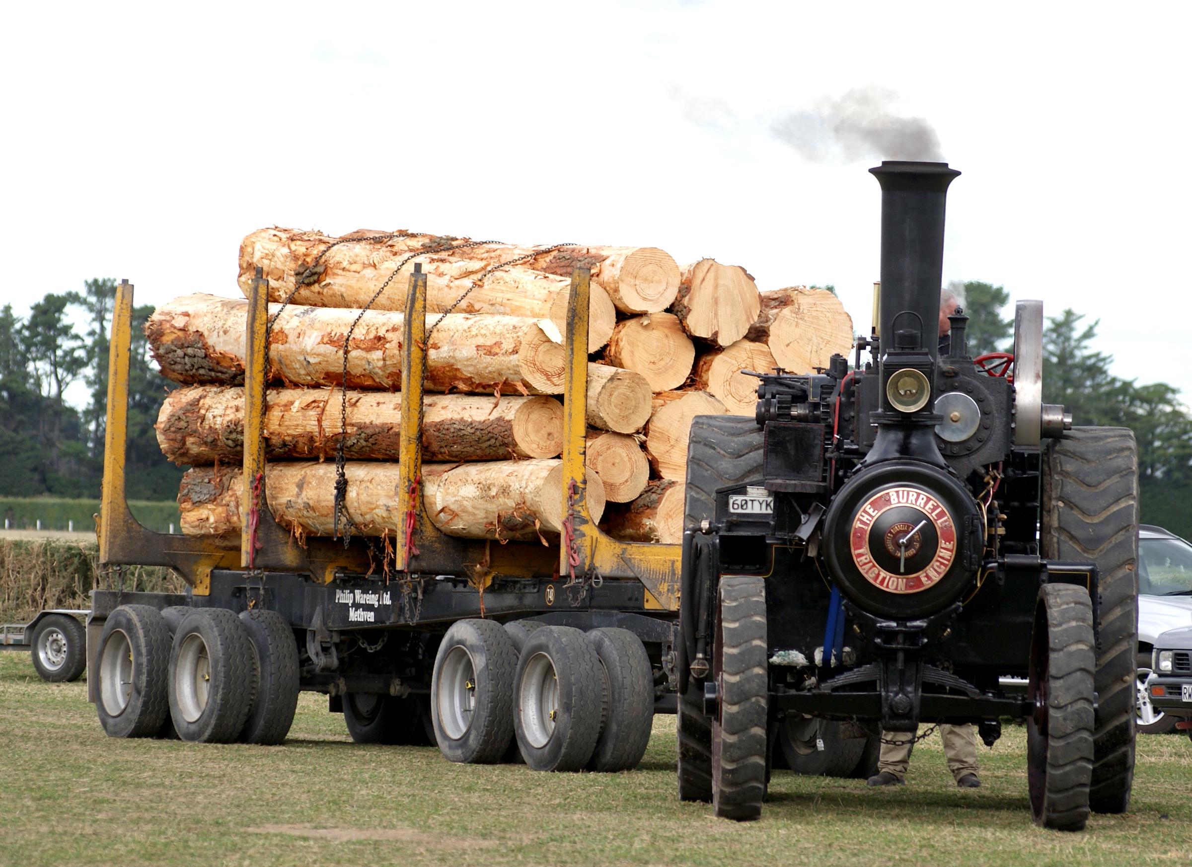 images gratuites tracteur rouge agriculture v hicule domaine public machines vapeur. Black Bedroom Furniture Sets. Home Design Ideas