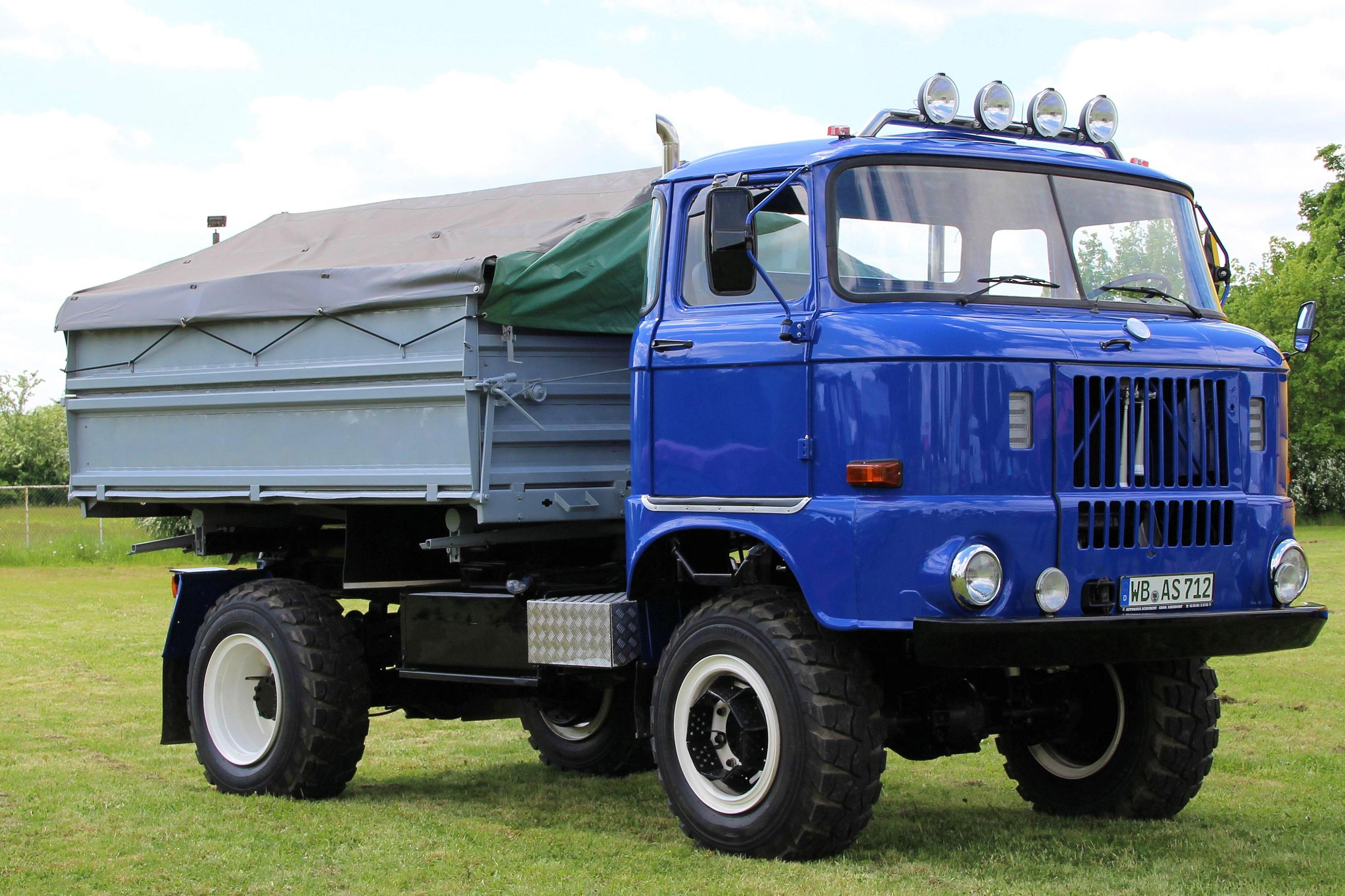 images gratuites transport un camion vieil homme. Black Bedroom Furniture Sets. Home Design Ideas