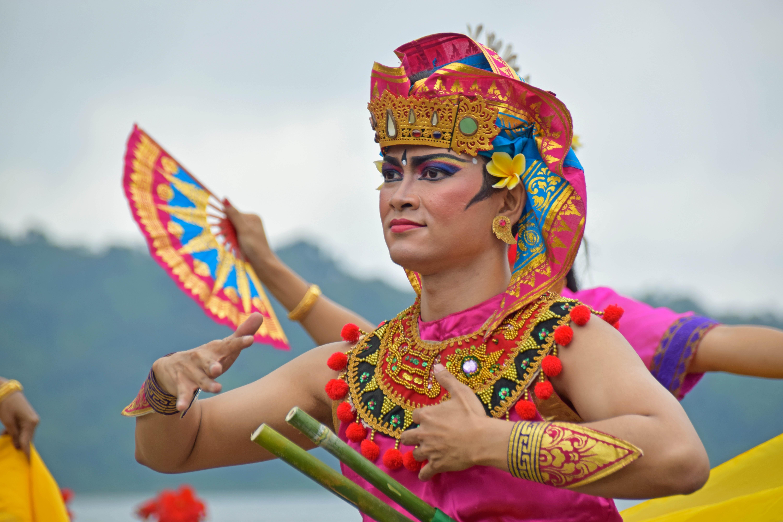 обычаи индонезии фото иностранцы, решившие