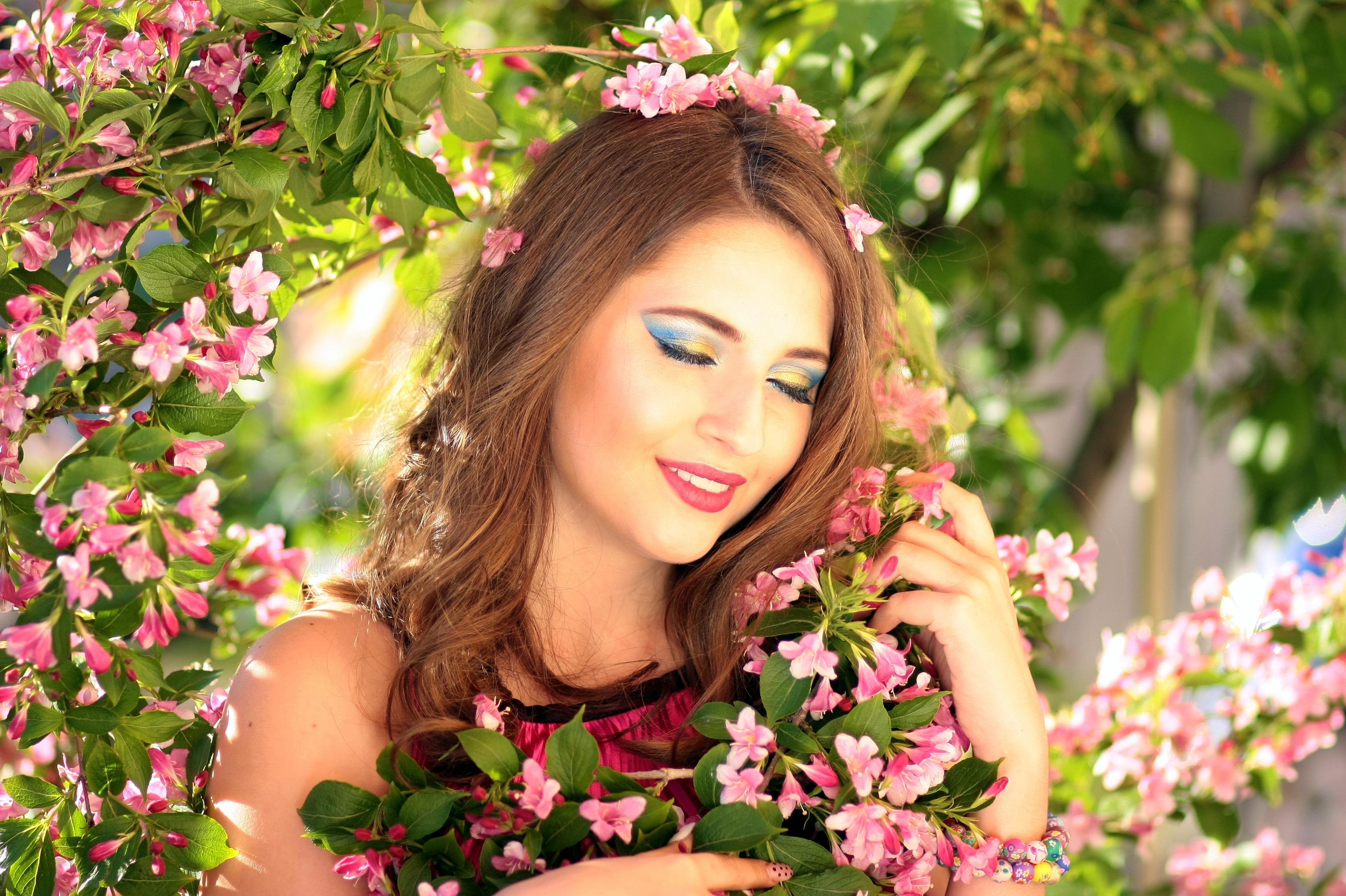 Картинки женщина весна красивые на телефон