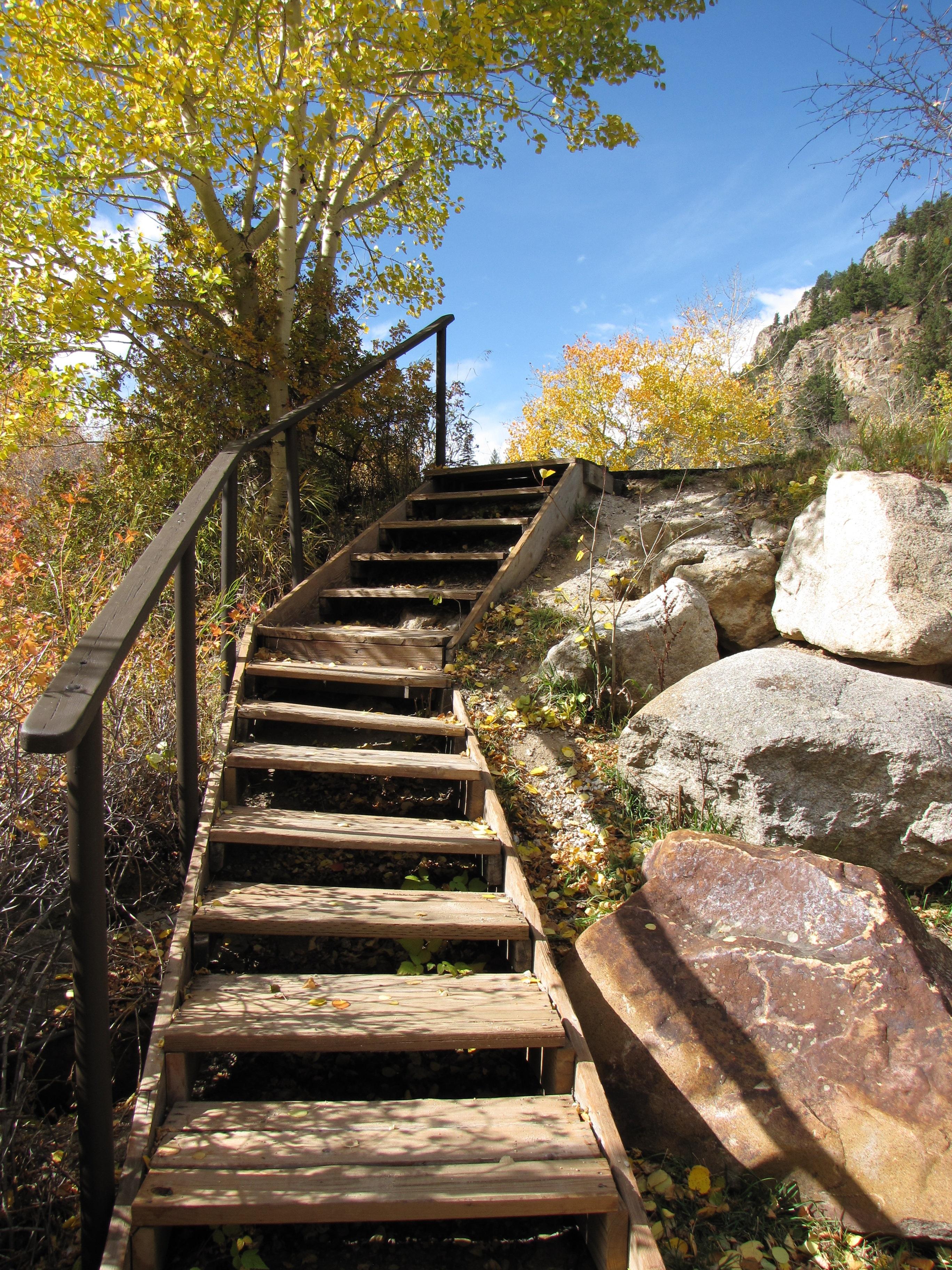 Fotos gratis rbol excursionismo sendero casa escalera pasarela caba a oto o jard n - Escaleras jardin ...