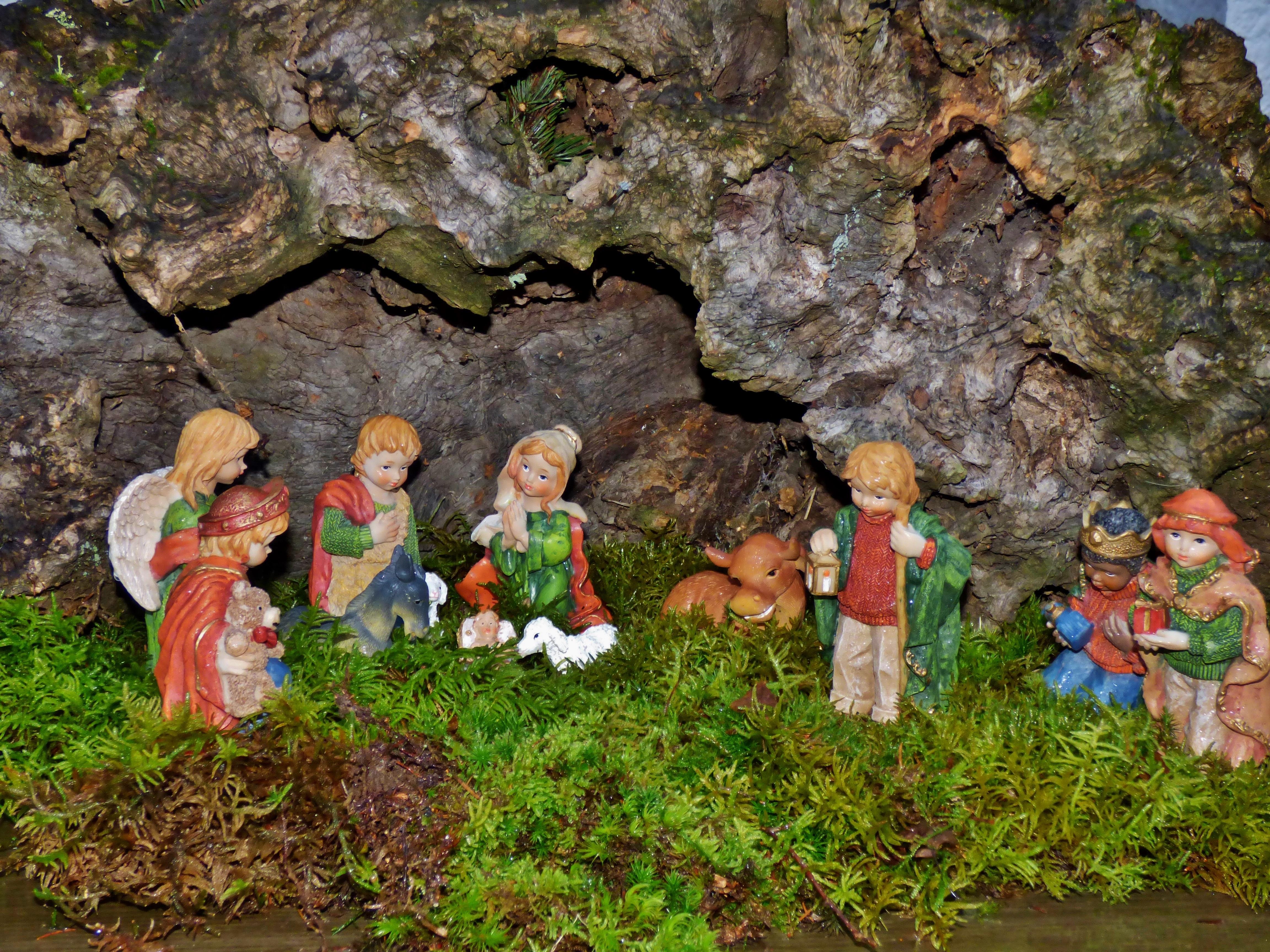 tree moss cave christmas decor christmas decoration jesus joseph manger nativity scene