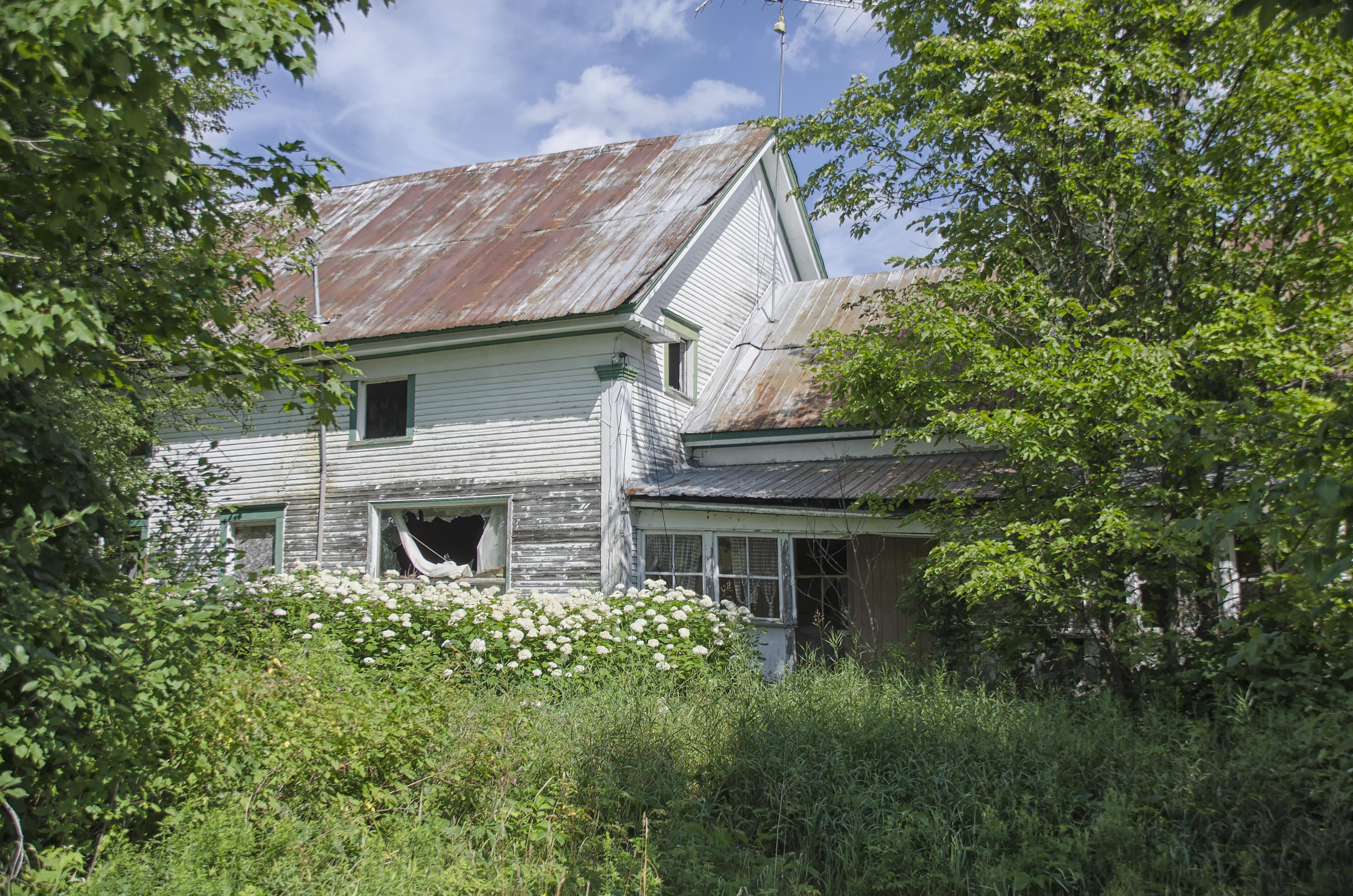 Images Gratuites : arbre, la nature, ferme, maison, toit, bâtiment ...