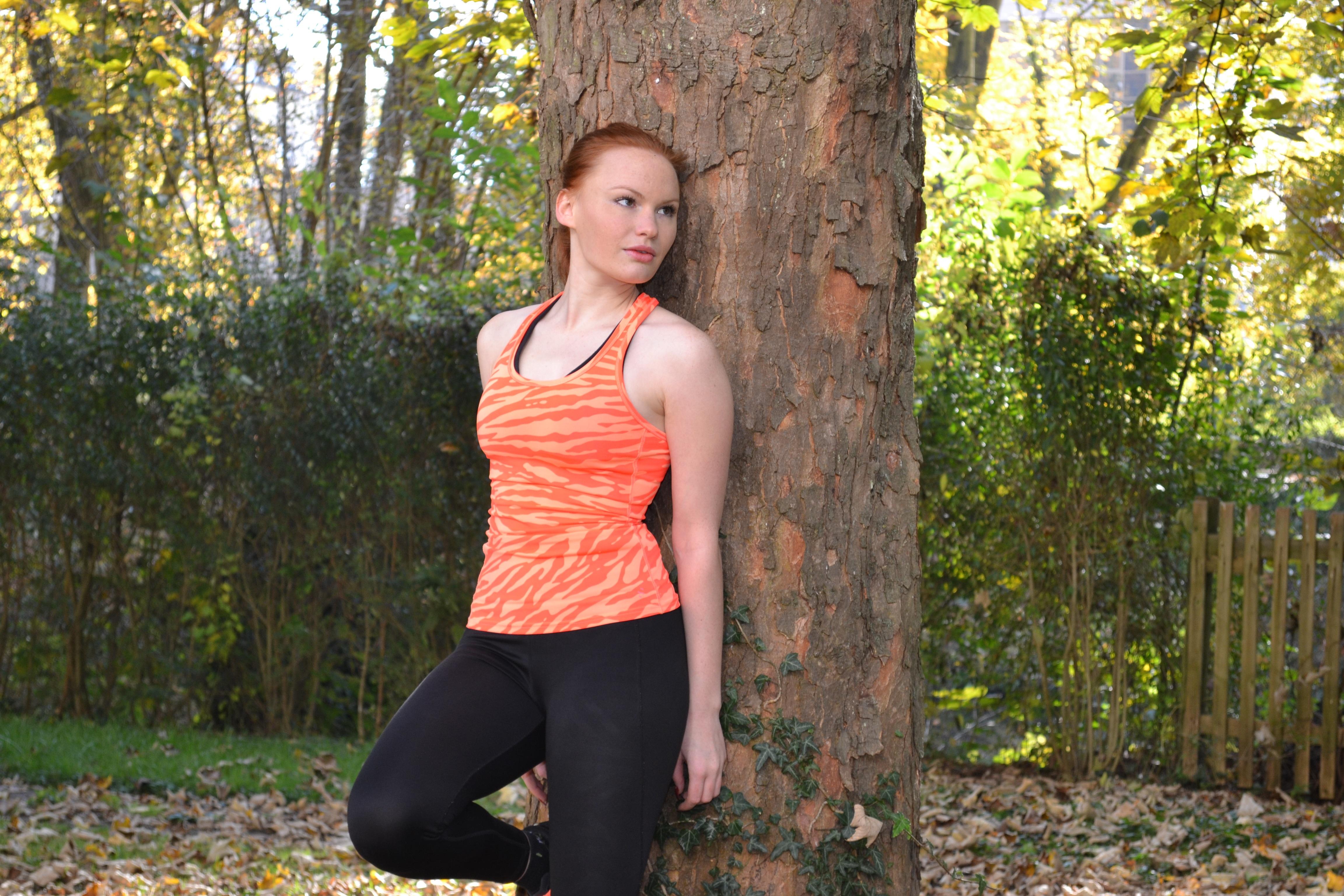 Bildet : tre, natur, skog, utendørs, person, sport, blad, løping ...
