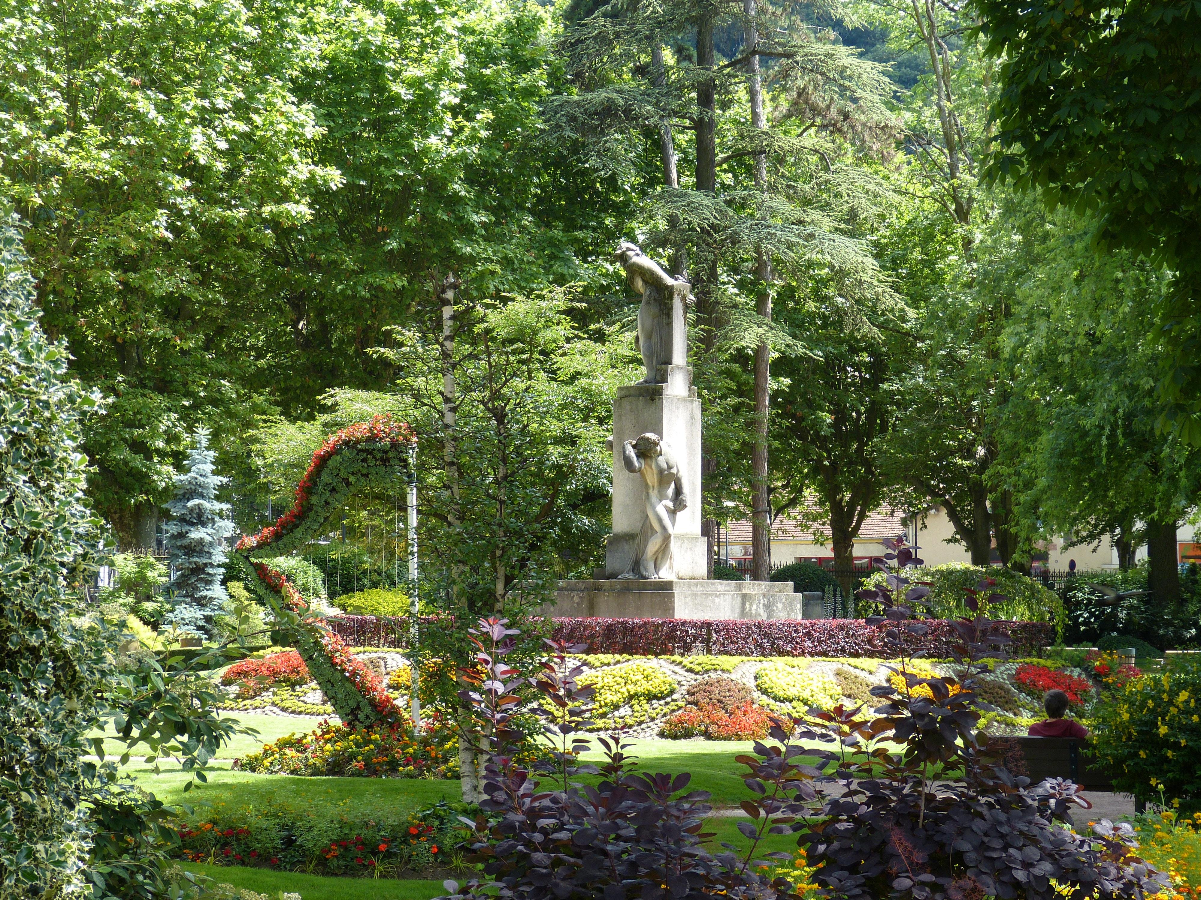 Images gratuites arbre plante fleur france statue for Conception jardin