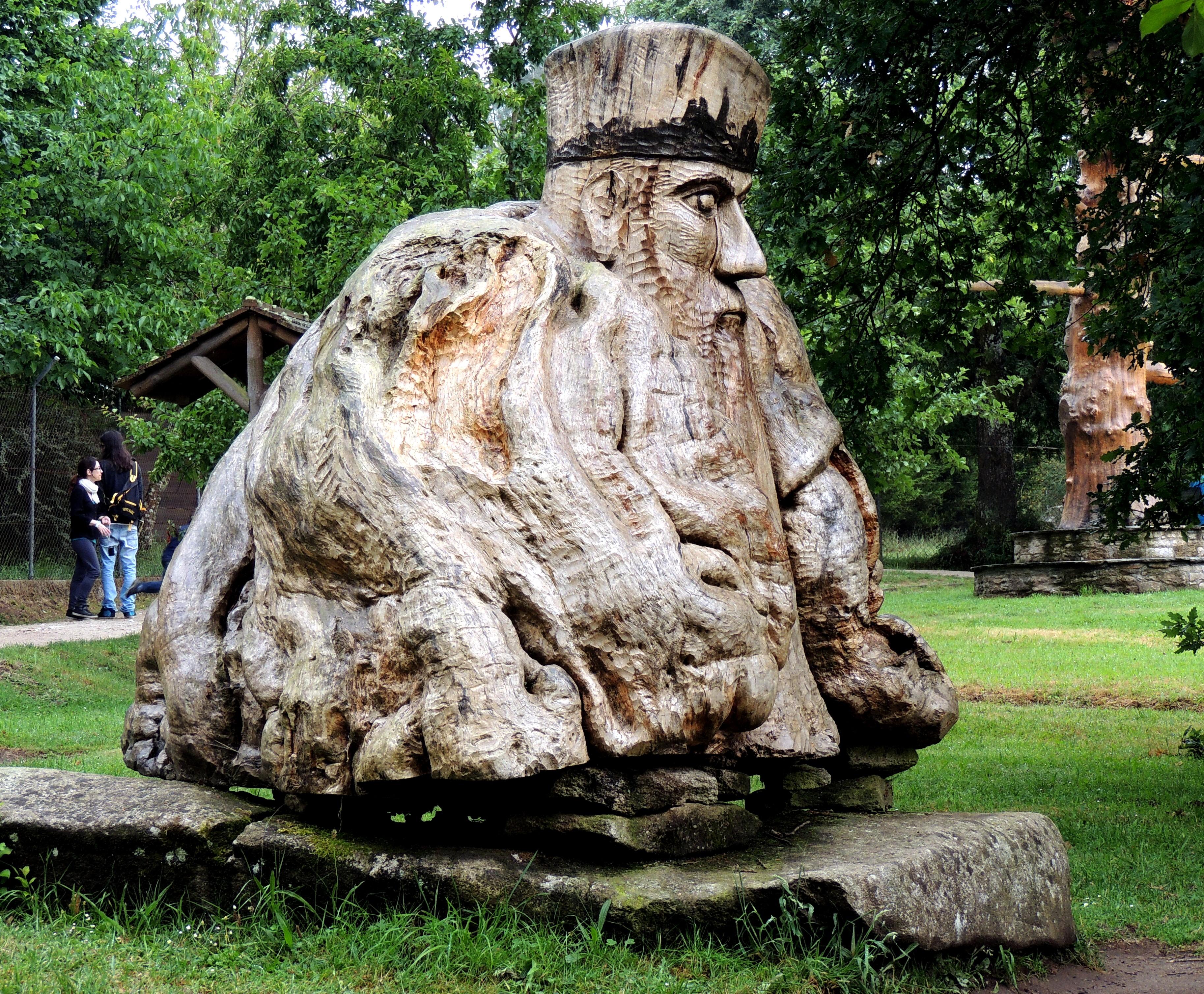 фото статуй из камней статусы картинках
