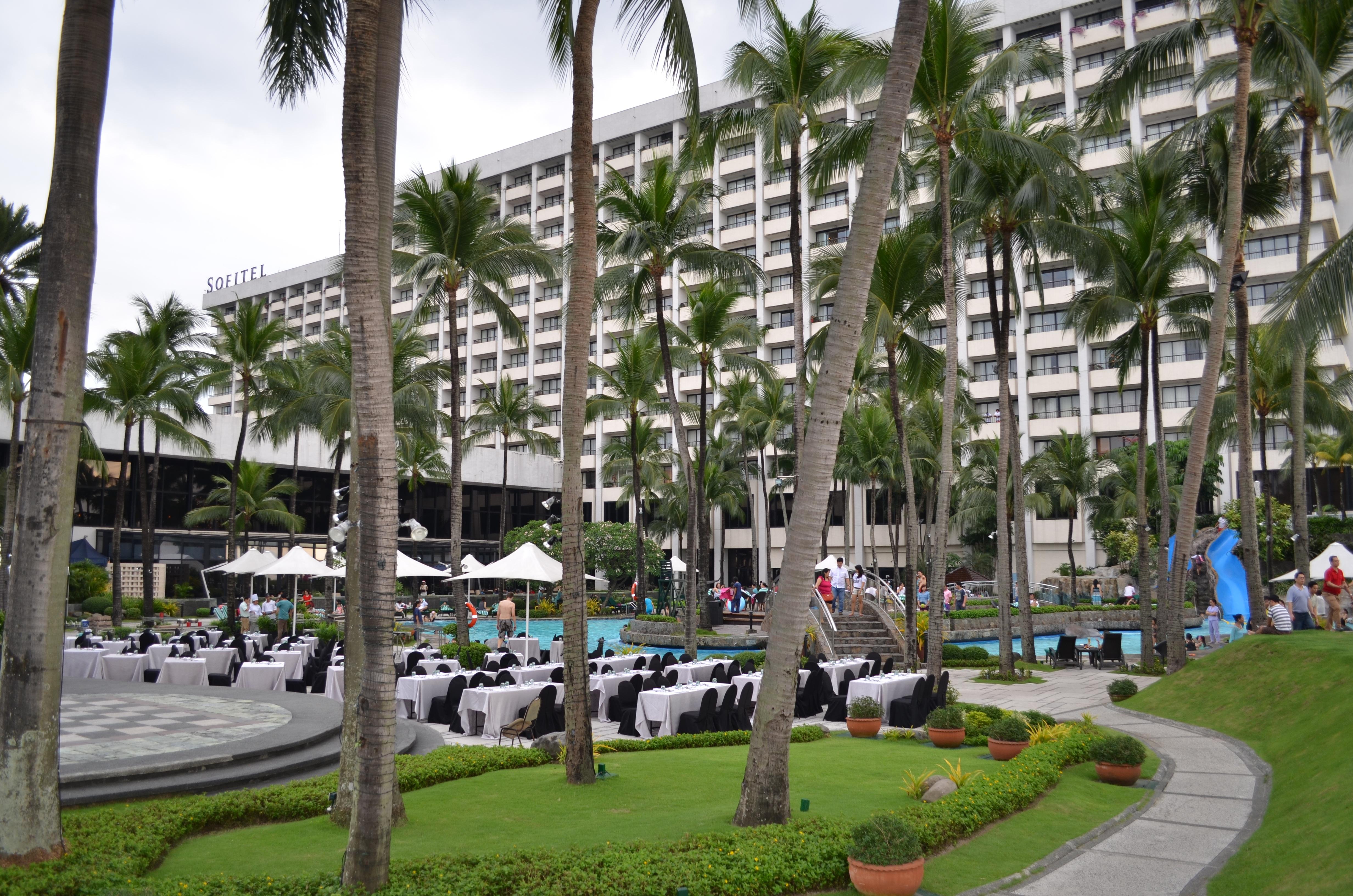 Fotos gratis rbol pueblo pasarela verano viajar for Hotel ciudad jardin