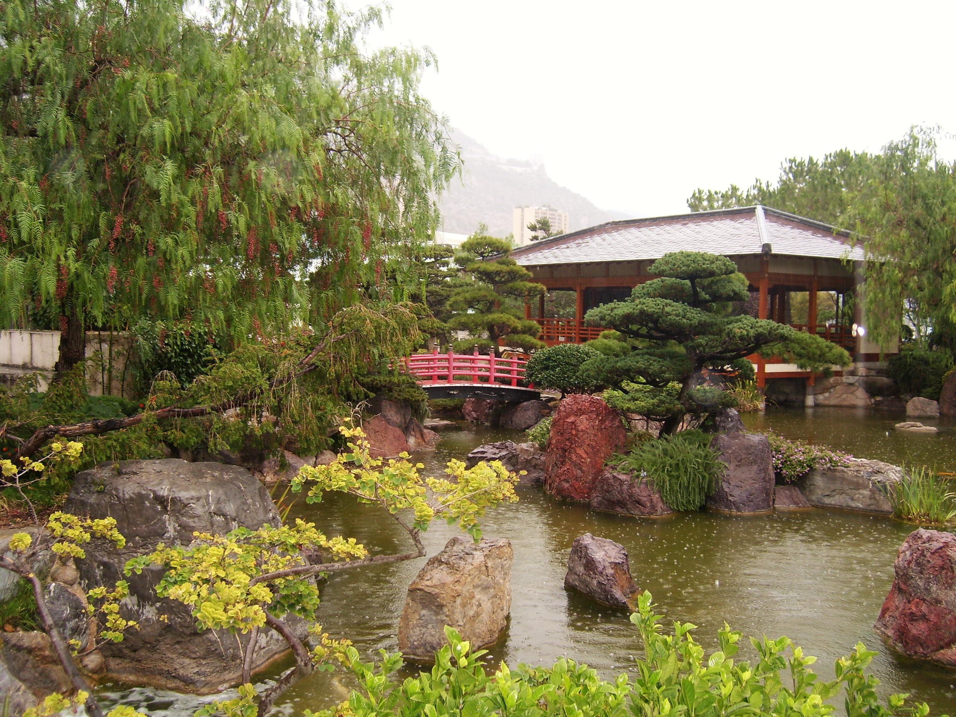 Amnagement jardin japonais elegant muret pierres coin for Conception petit jardin japonais
