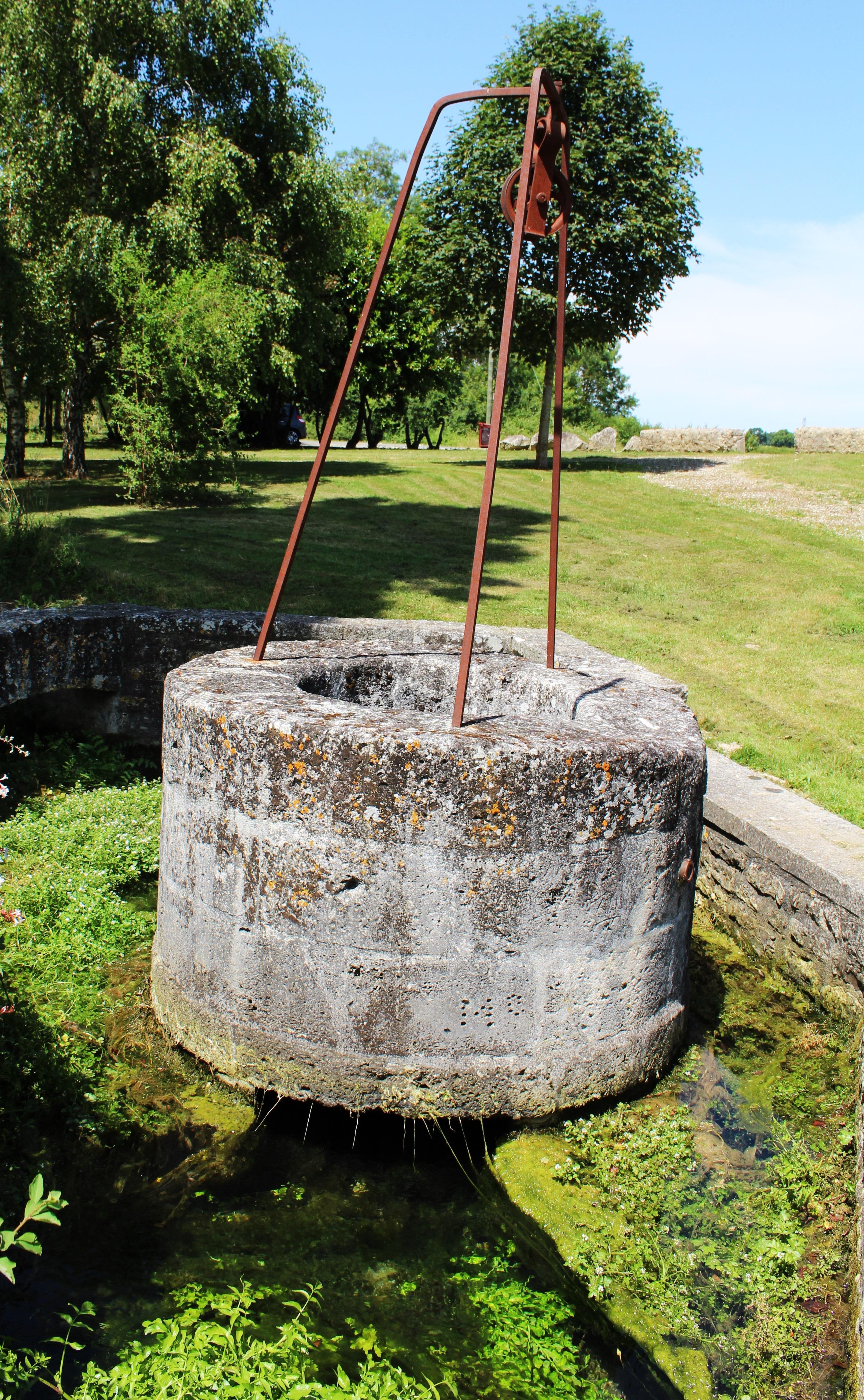 rbol agua francia jardn escultura bien polea pre fuente de agua charente bien de piedra antiguos