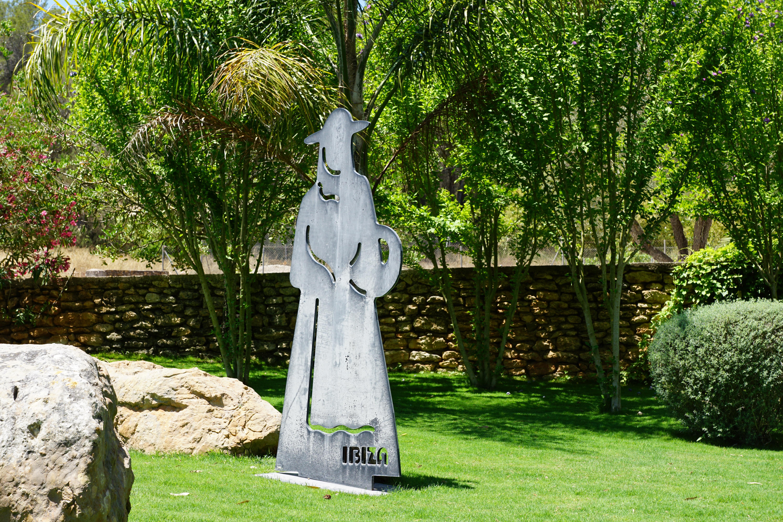 and statue tall wayfair hen pdx garden set rooster sunjoy outdoor cat piece