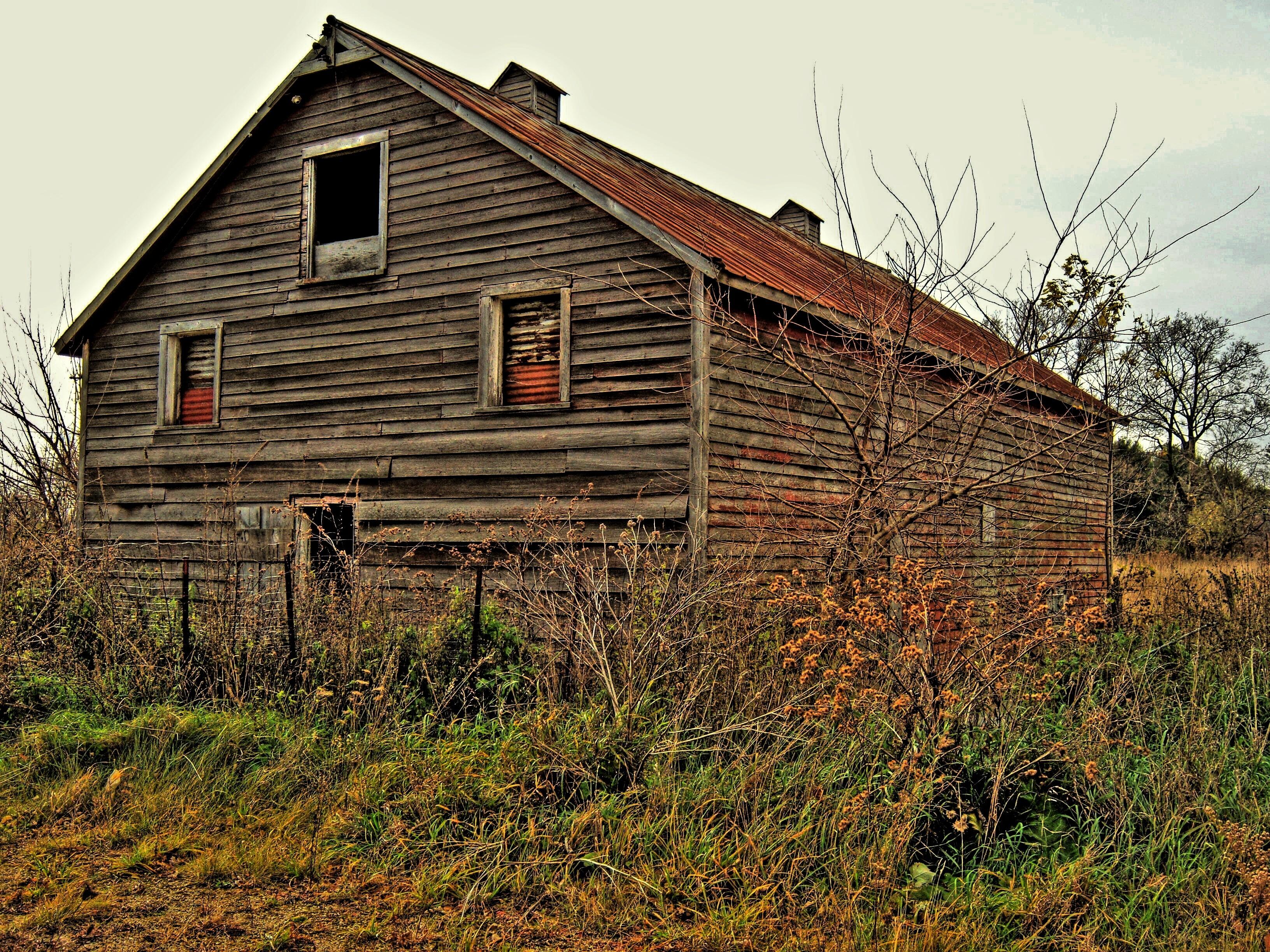 Fotos gratis : árbol, granja, pradera, edificio, granero, choza ...