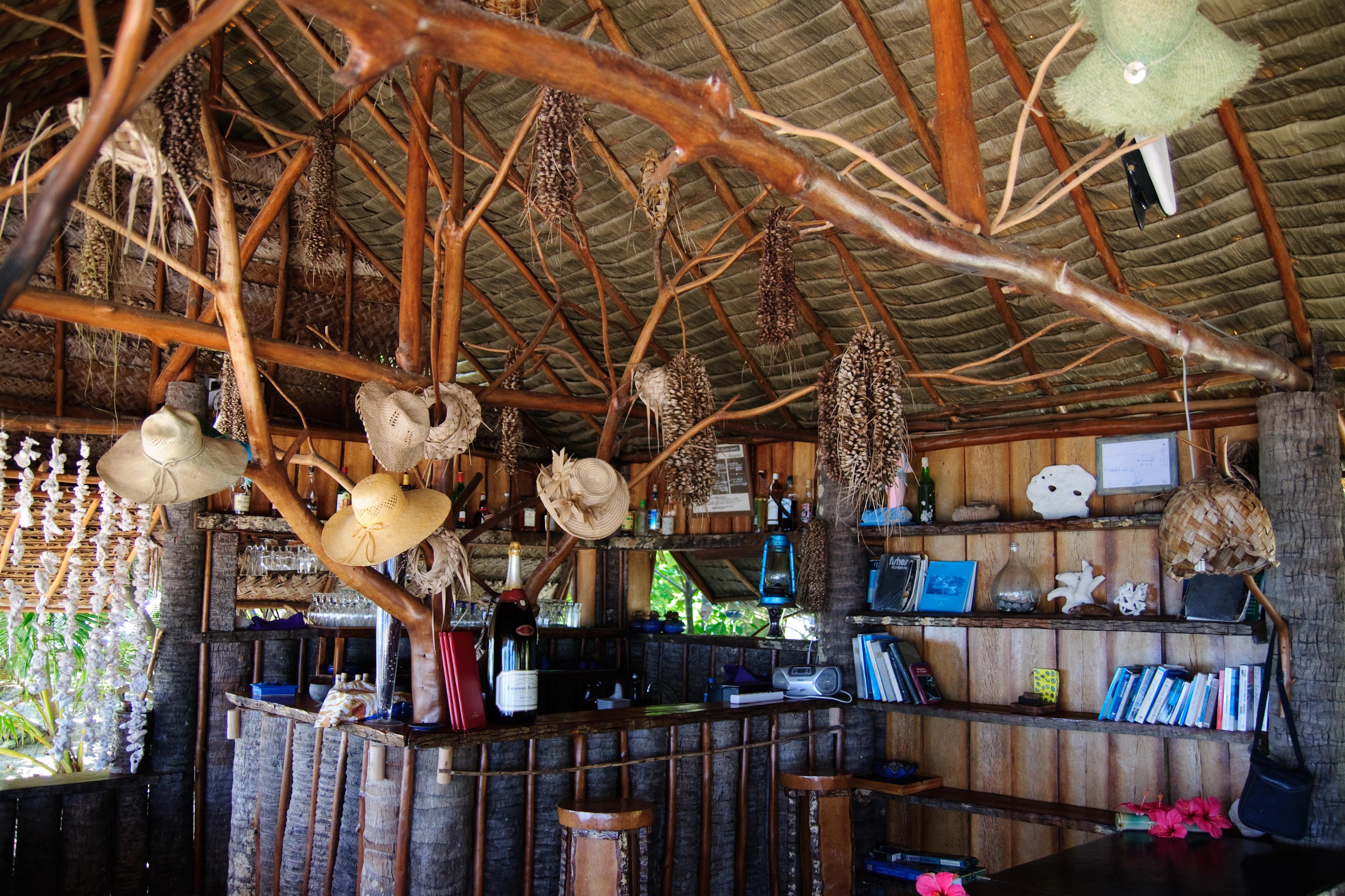 Gratis Afbeeldingen : boom, hout, restaurant, nikon, interieur ...