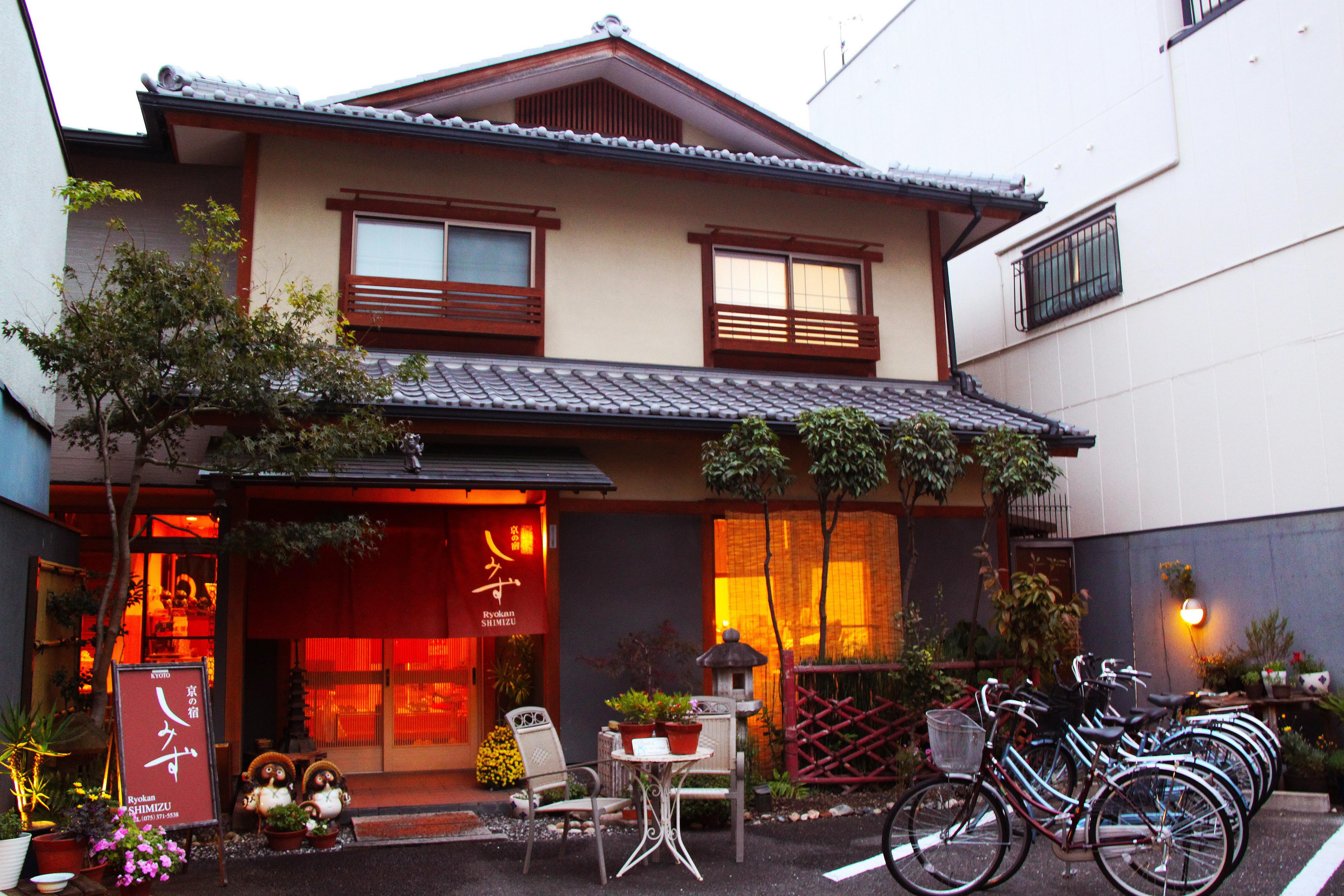 Fotos gratis villa casa oto o edificio restaurante for Fachada tradicional