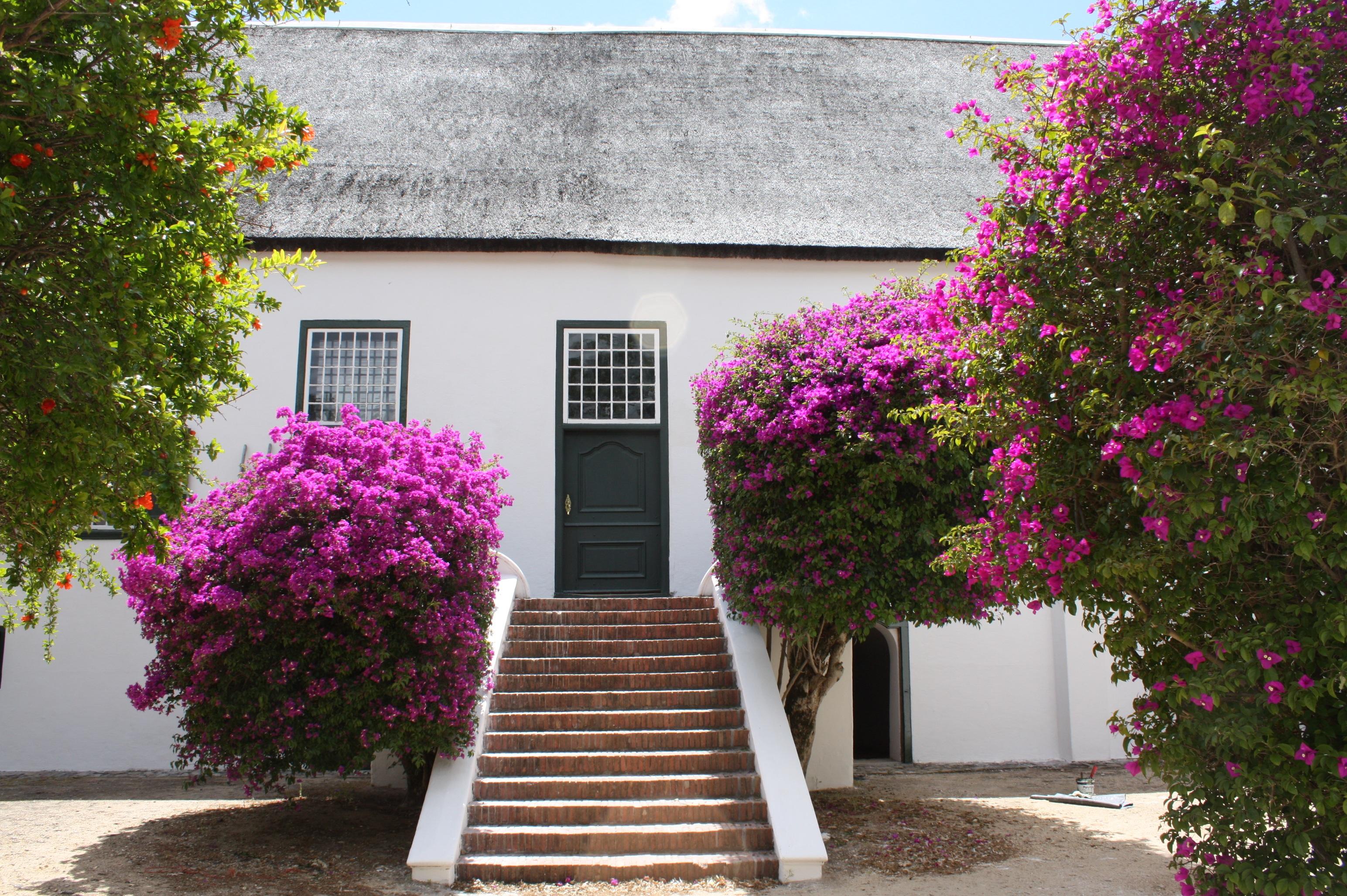 Kostenlose foto : Villa, Blume, Gebäude, Zuhause, Hütte, Fassade ...